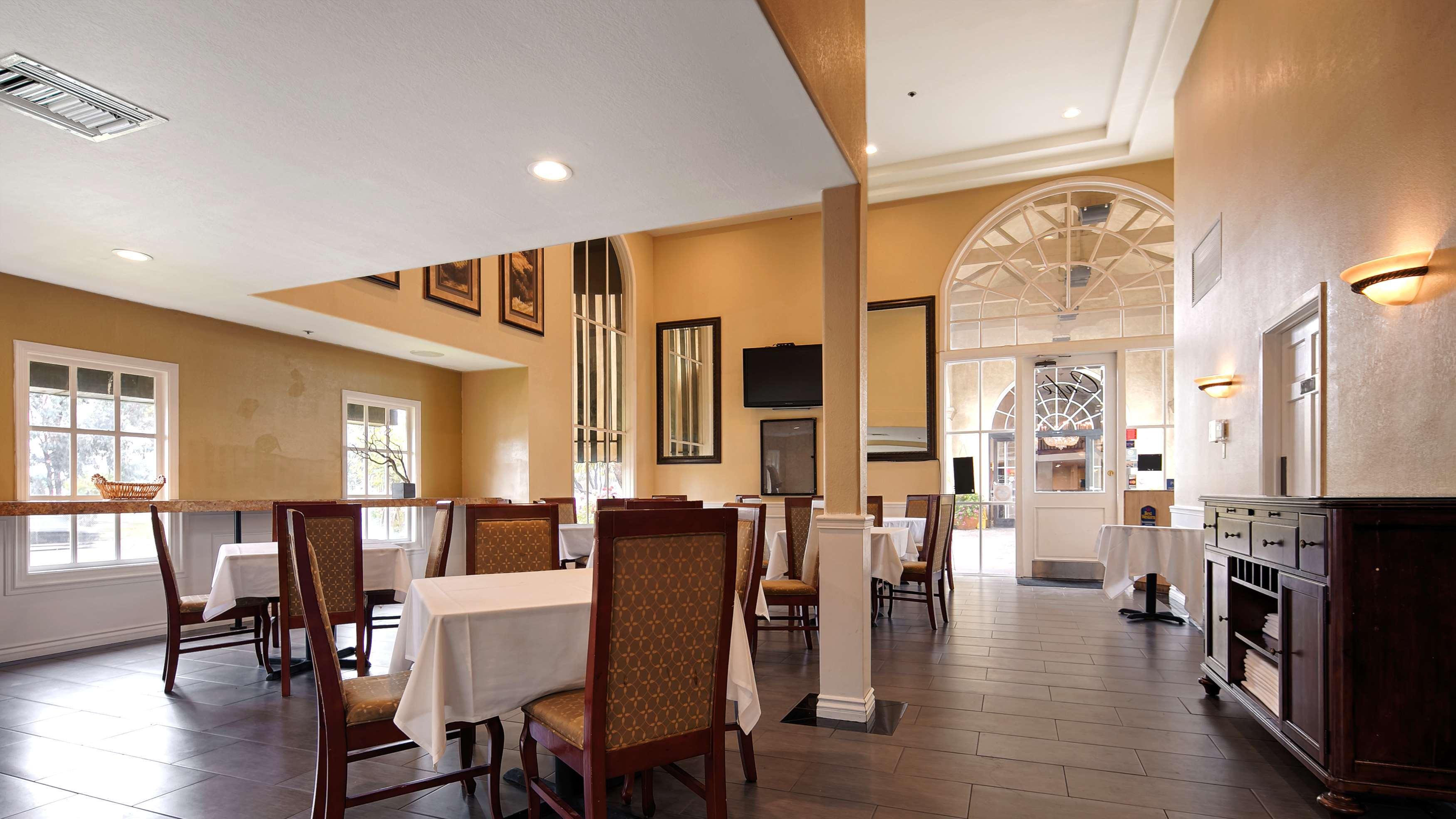 Best Western Plus Newport Mesa Inn image 29