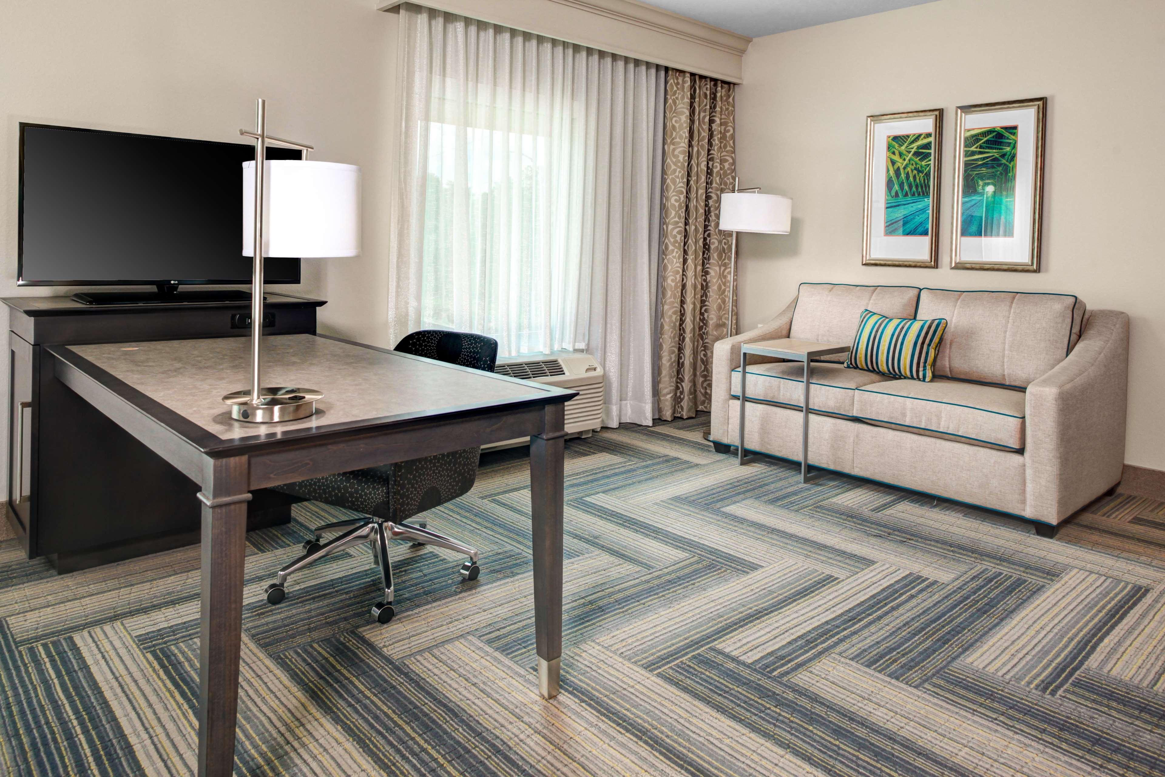 Hampton Inn & Suites by Hilton Atlanta Perimeter Dunwoody image 17