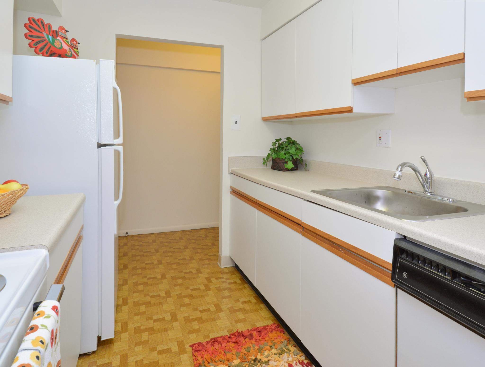 Norwood House Apartments image 15