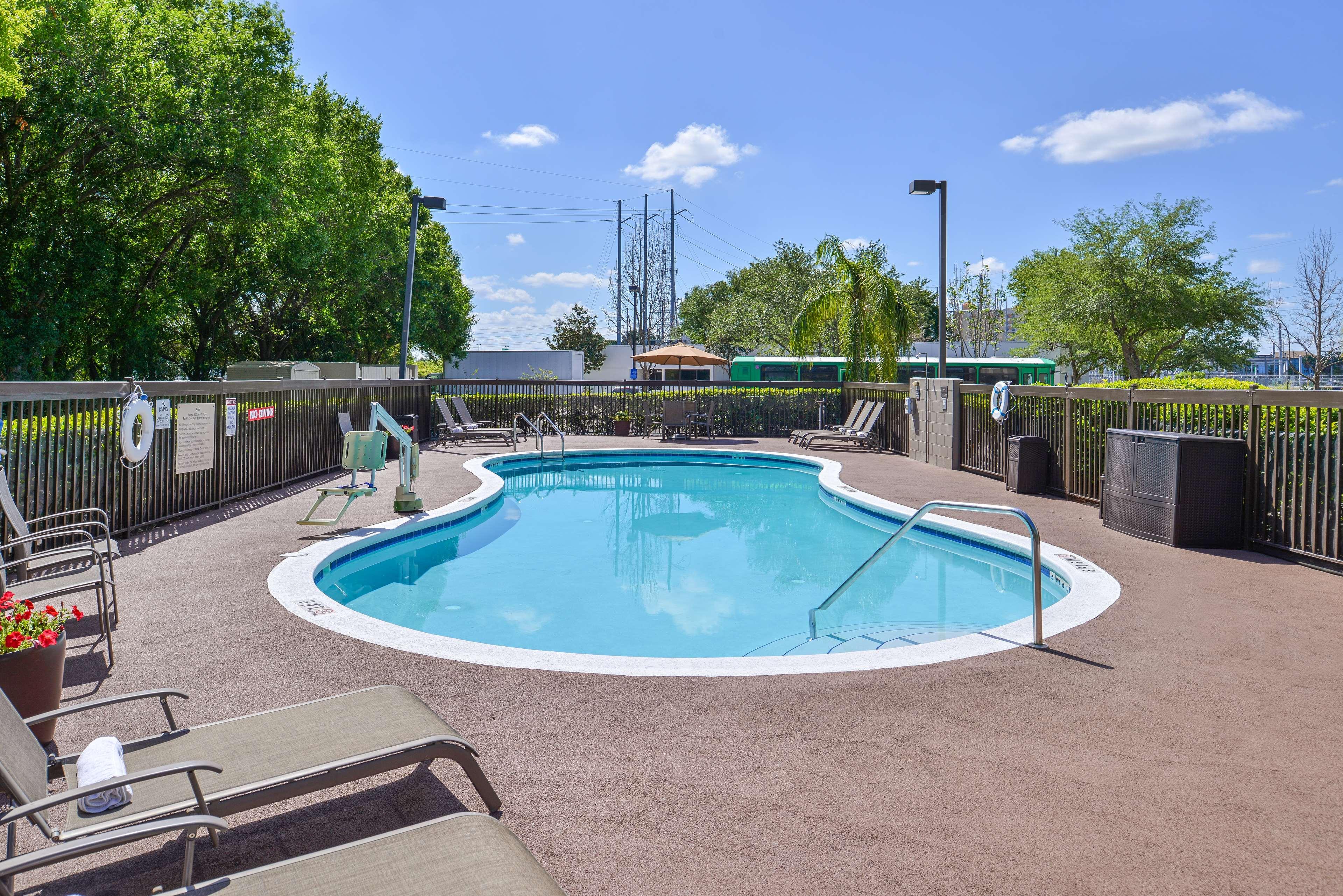 Hampton Inn closest to Universal Orlando image 6