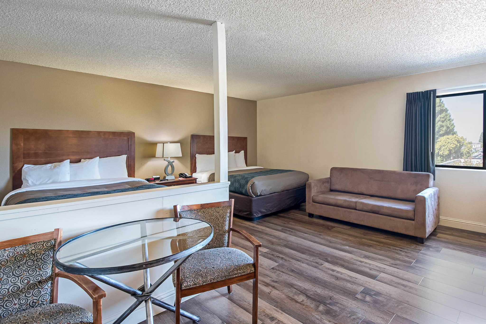 Econo Lodge Inn & Suites Yuba City - Marysville image 17