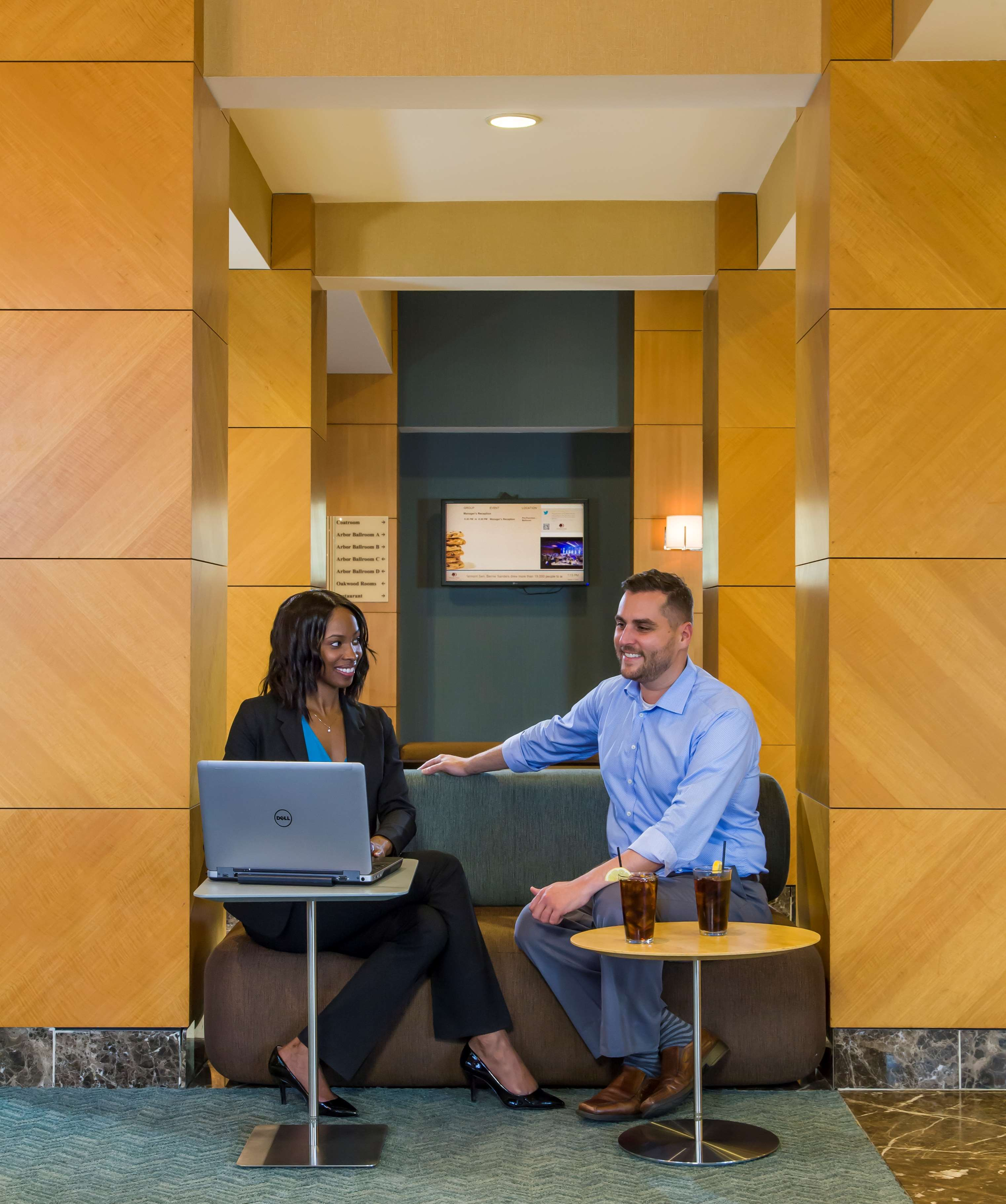 DoubleTree by Hilton Hotel Chicago - Arlington Heights image 1
