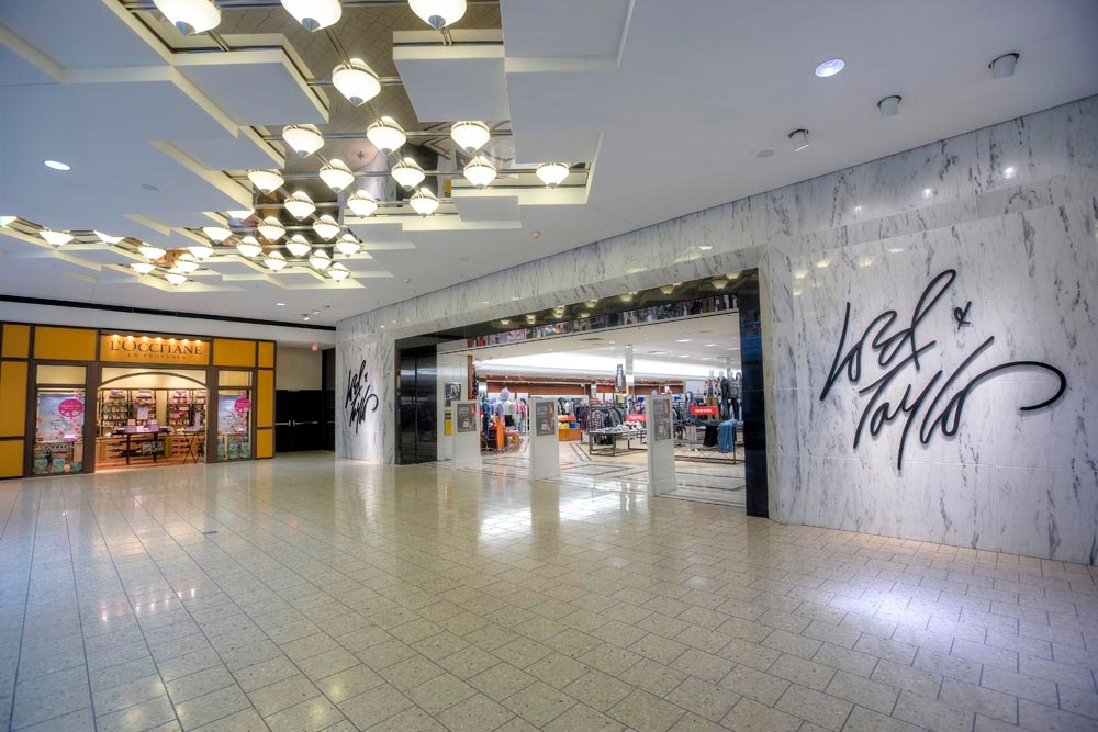 Woodfield Mall image 8
