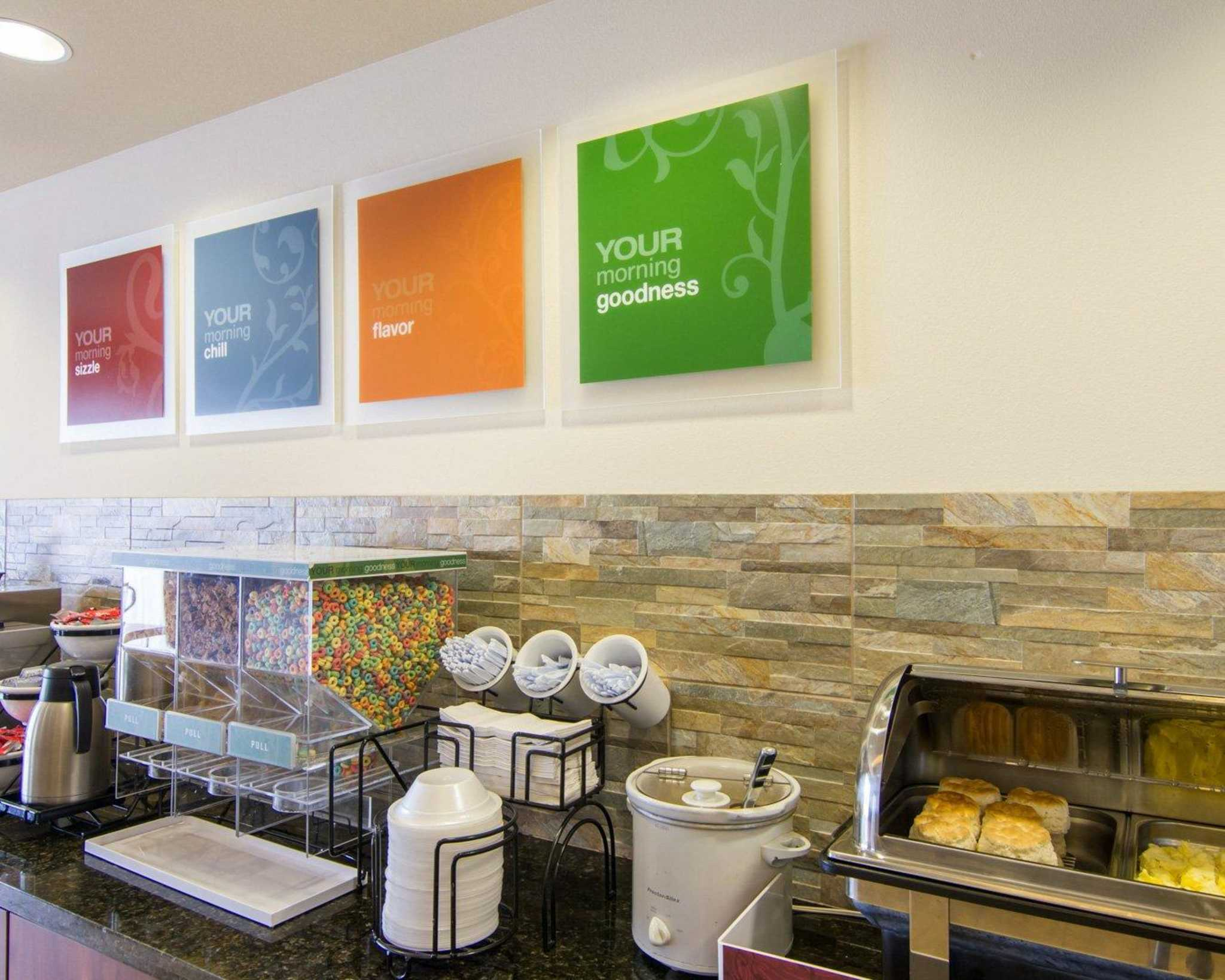 Comfort Inn & Suites Airport image 19