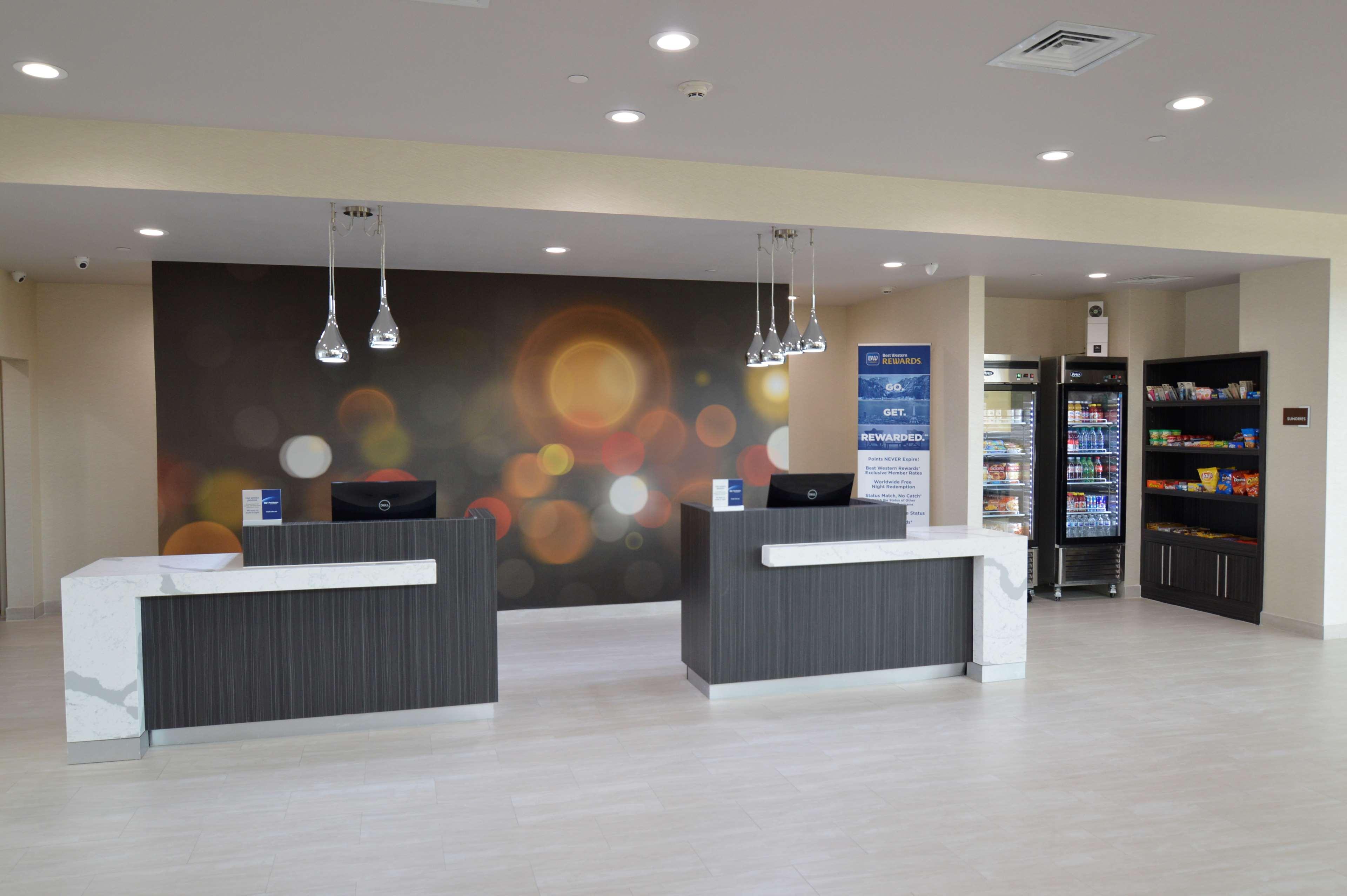 Executive Residency by Best Western Baytown image 3