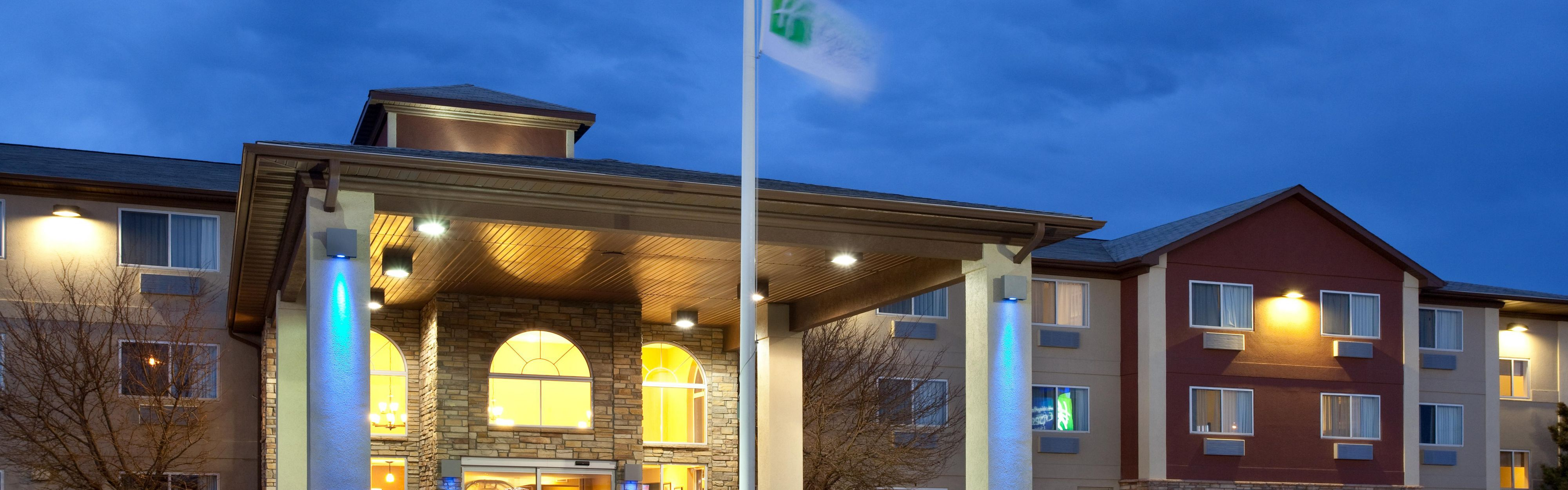 Holiday Inn Express & Suites Scottsbluff-Gering image 0