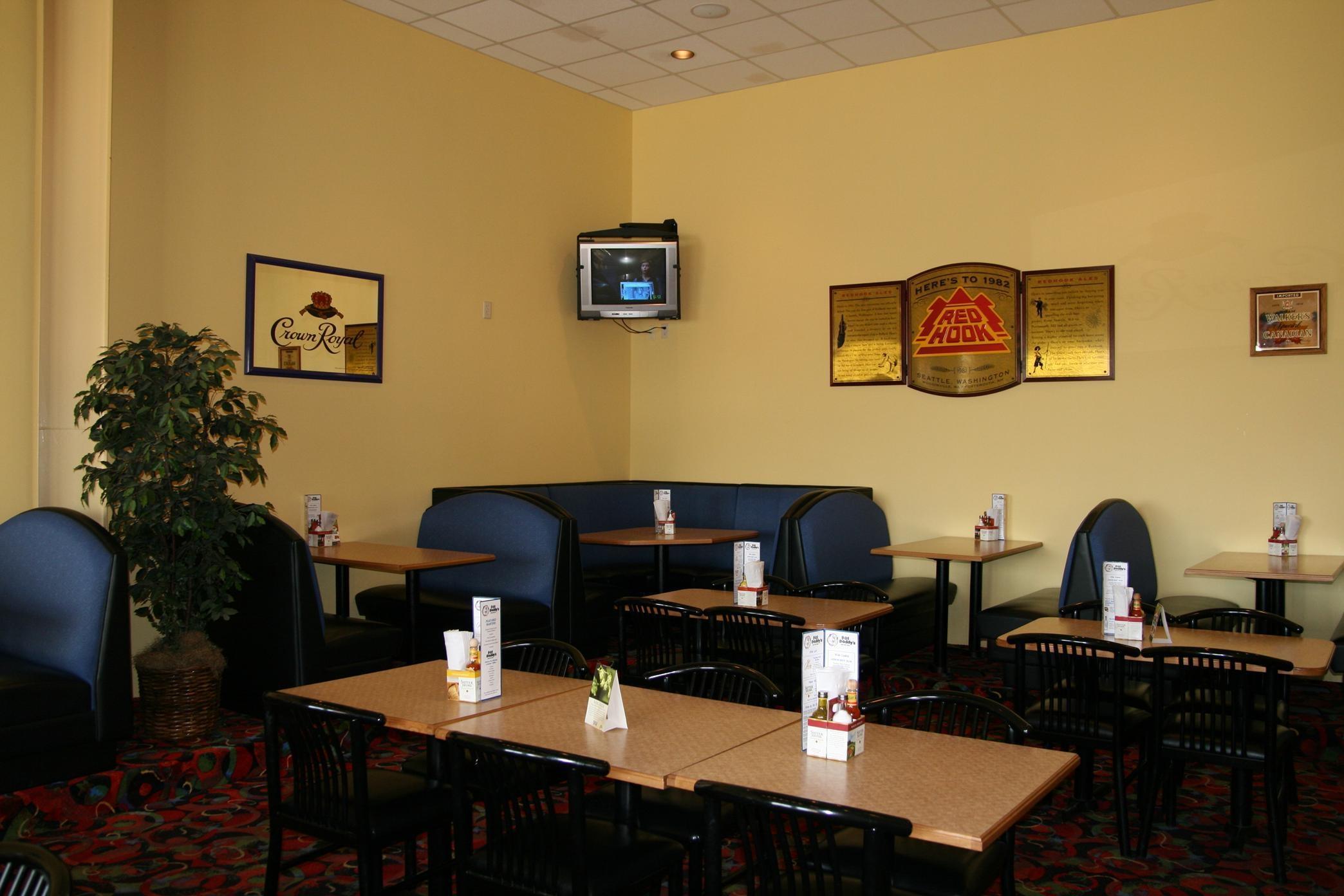 Hampton Inn & Suites Alexandria image 6