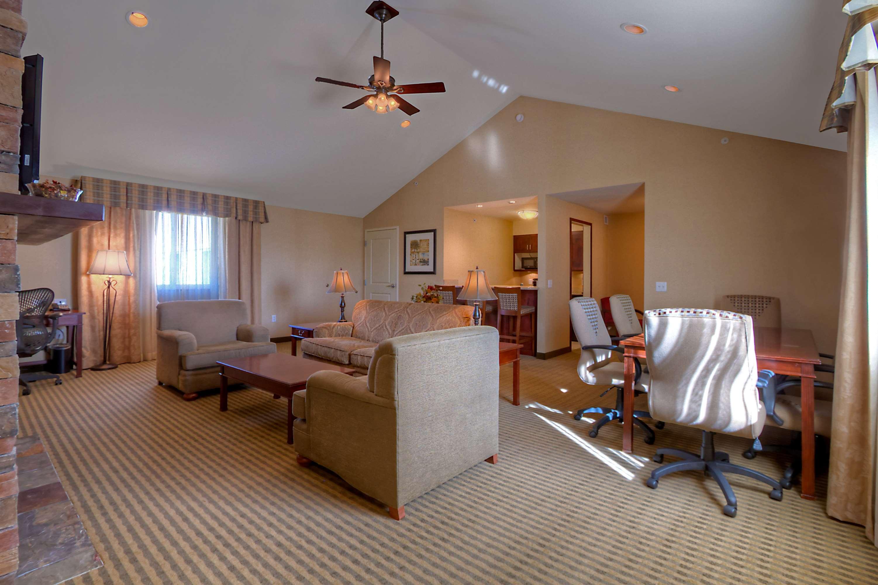 Hilton Garden Inn Great Falls image 17