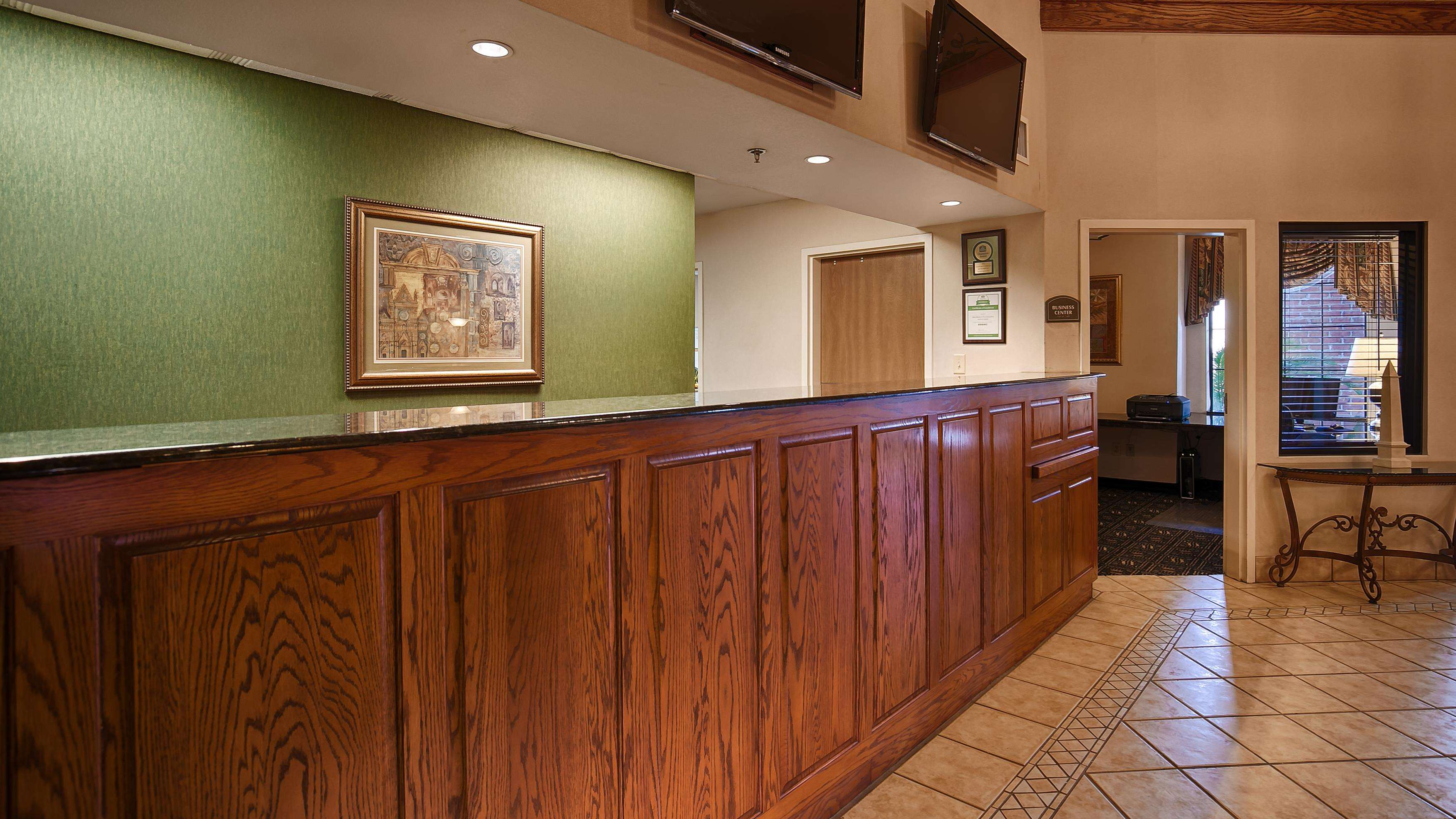 Best Western Plus Executive Hotel & Suites image 18