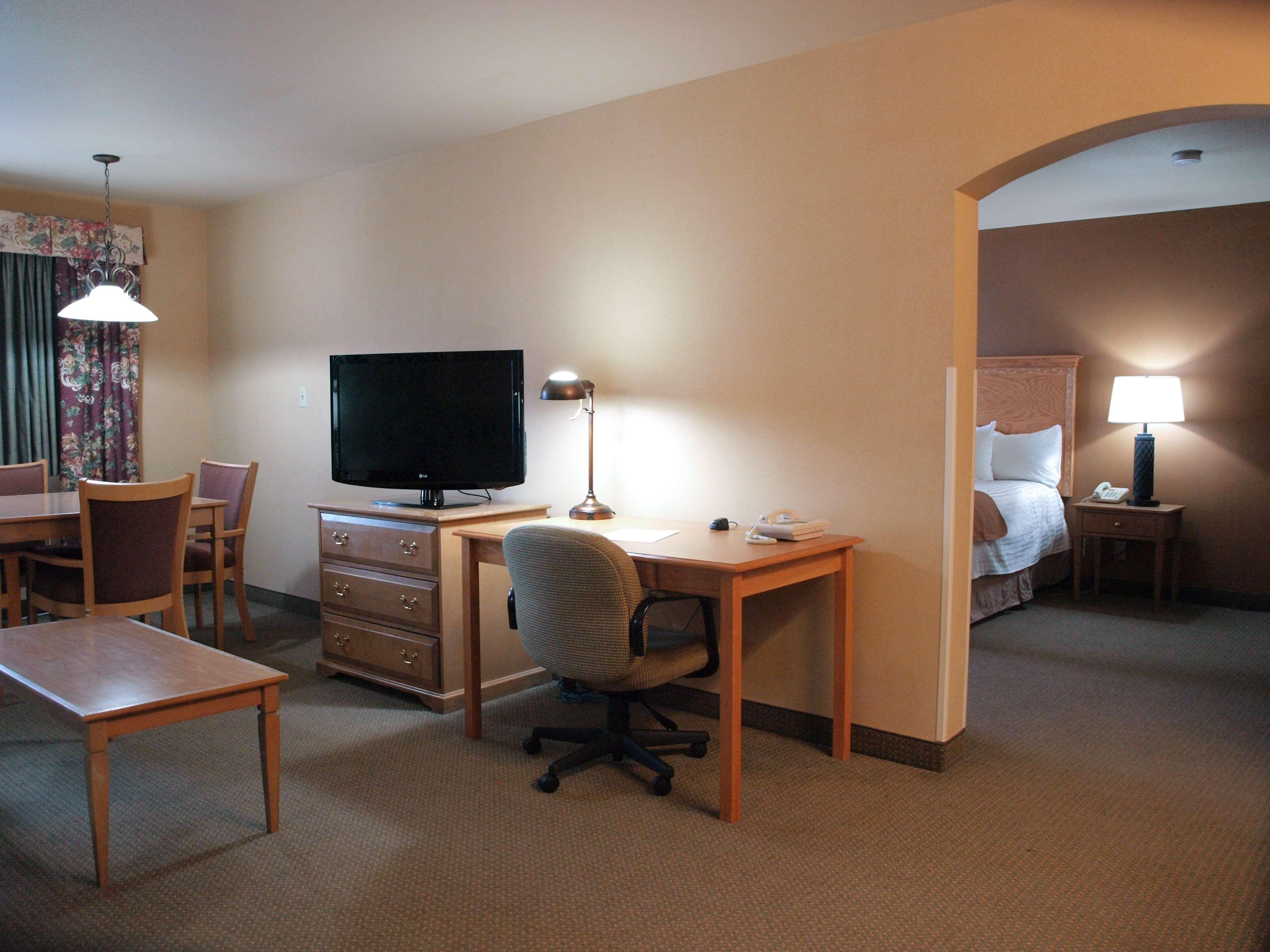 Best Western Plus Caldwell Inn & Suites image 28