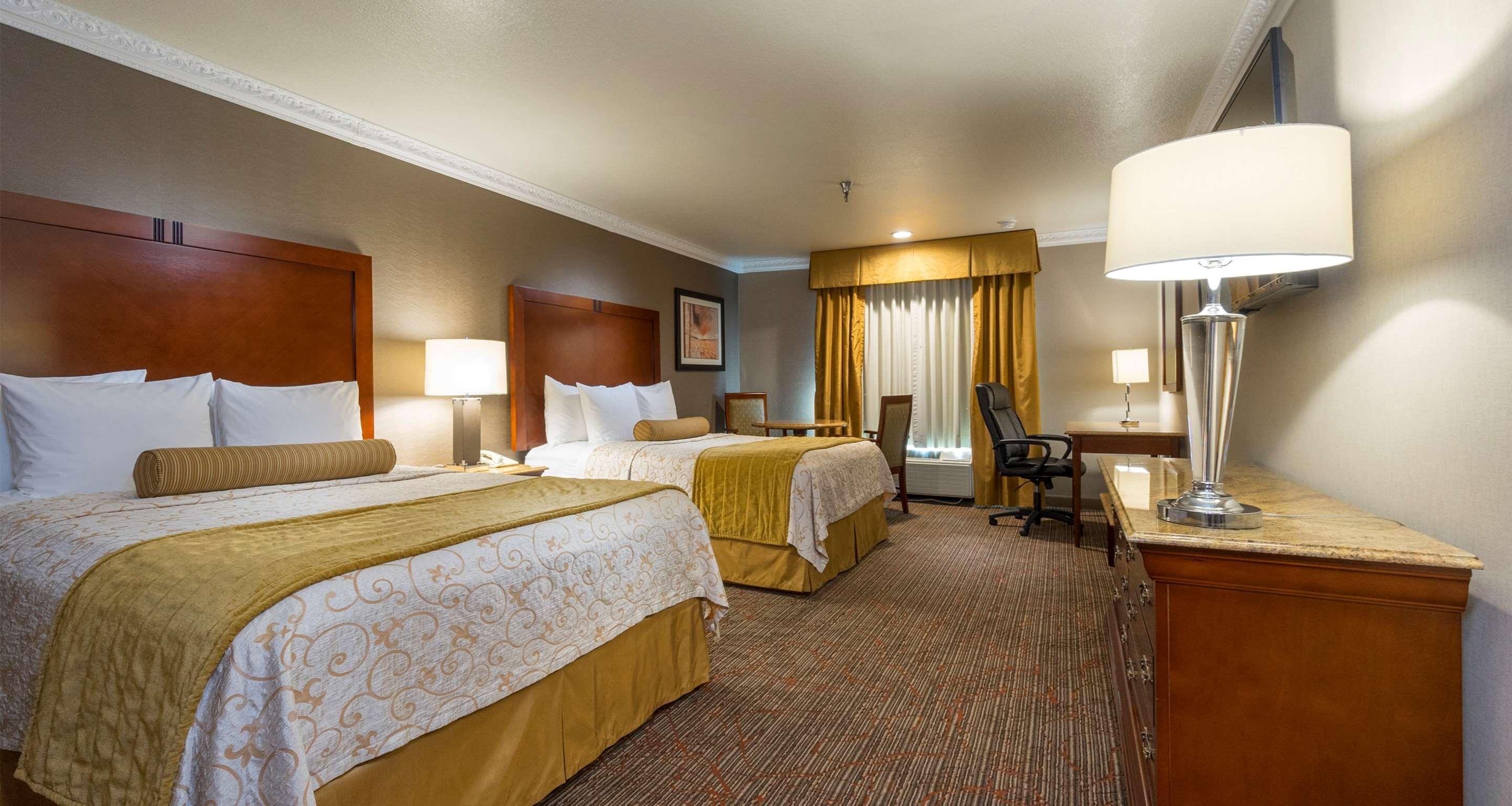 Best Western Plus Newport Mesa Inn image 35