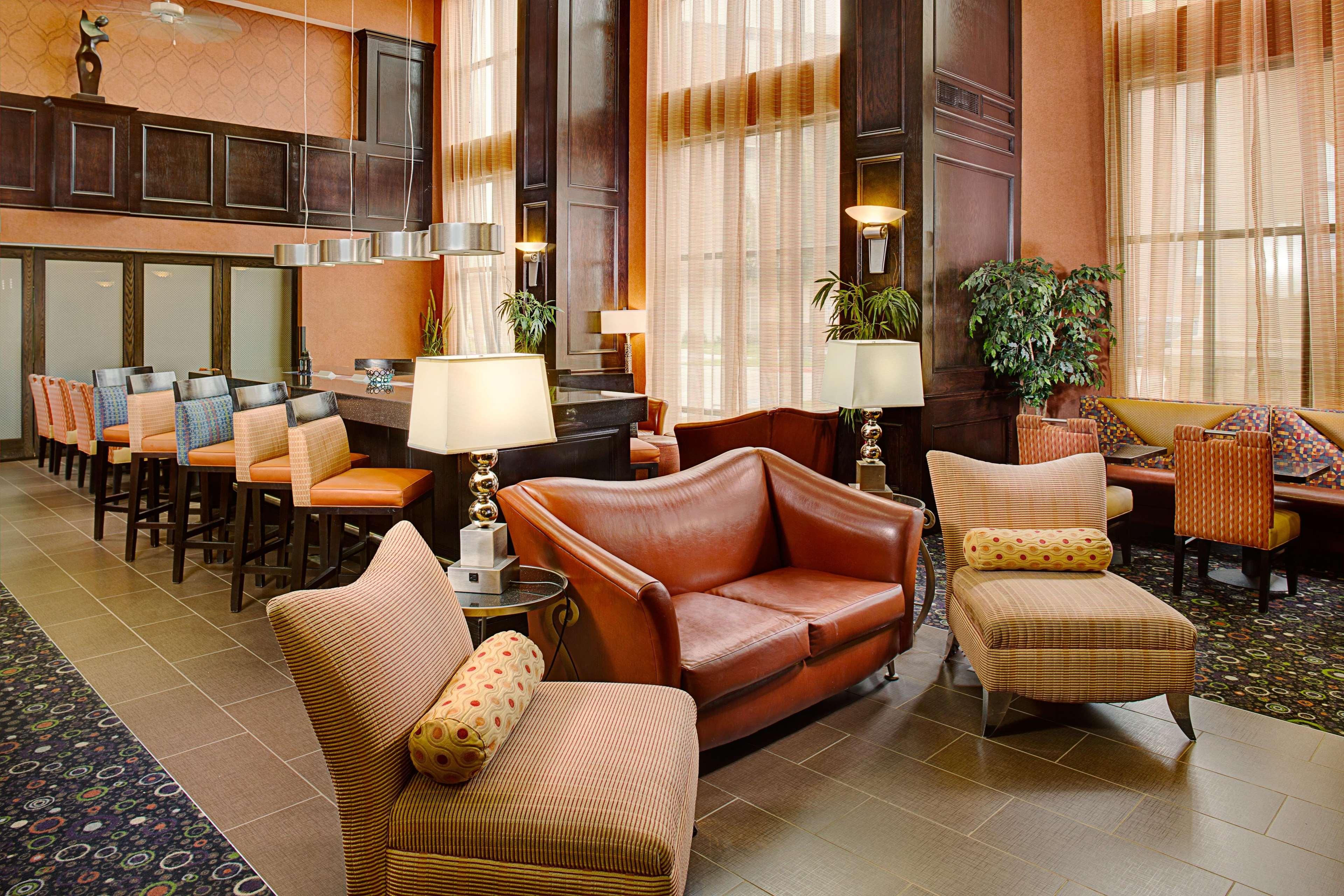 Hampton Inn & Suites Dallas/Lewisville-Vista Ridge Mall, TX image 38