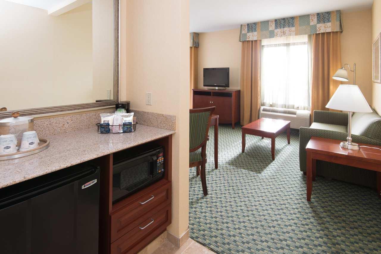 Hampton Inn & Suites El Paso West image 20