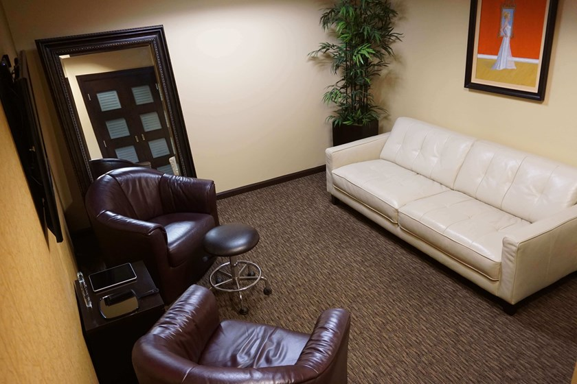 Gallery of Cosmetic Surgery & Aesthetic Lounge image 7