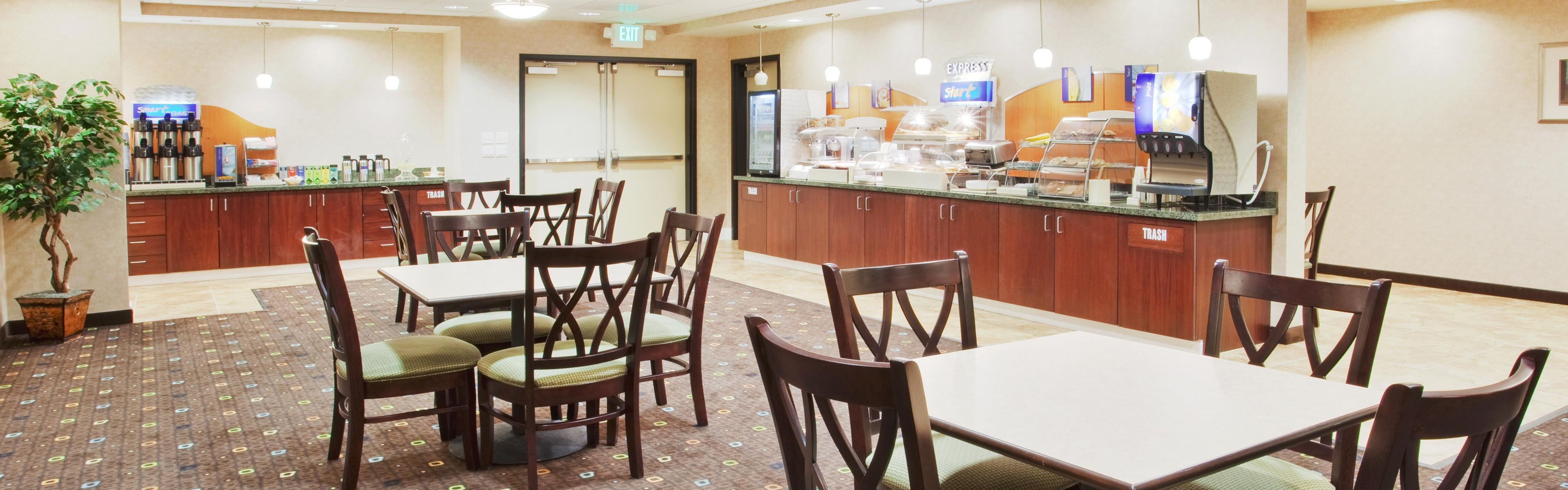 Holiday Inn Express Lodi image 3
