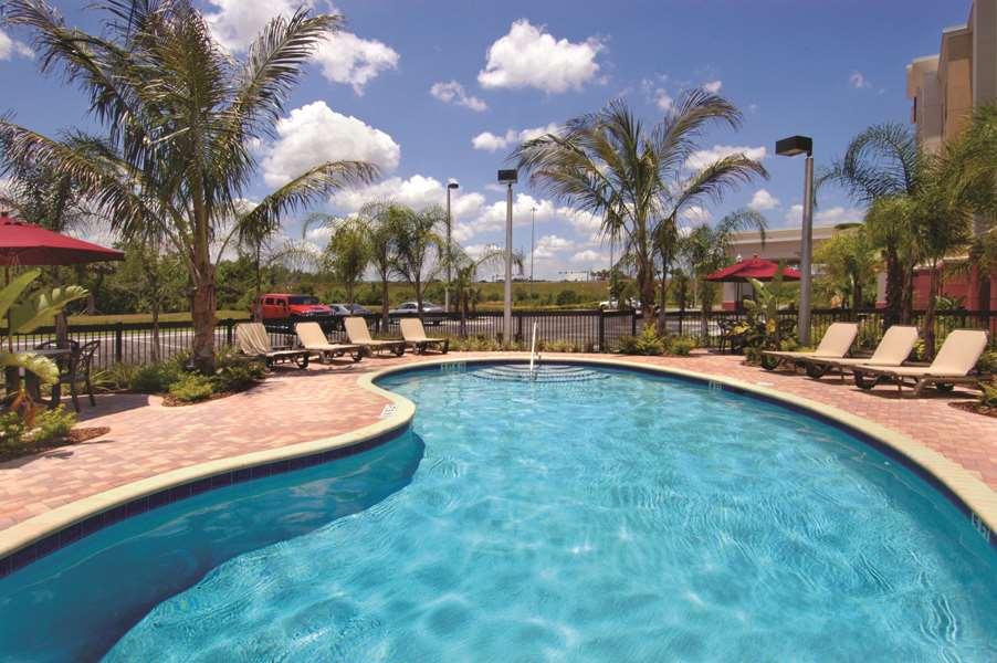 Hampton Inn & Suites Tampa-Wesley Chapel image 10