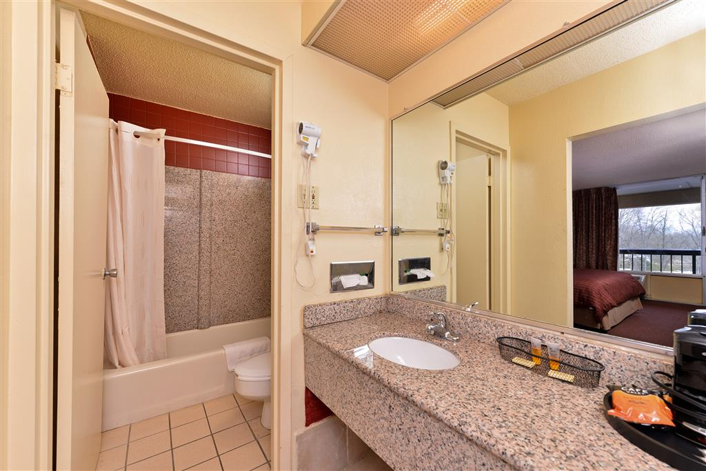 Country Hearth Inn & Suites - Gainesville image 7