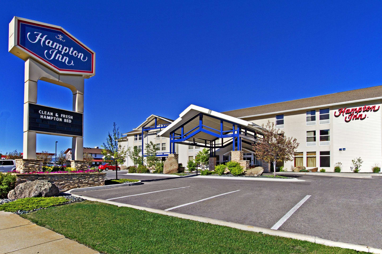 Hampton Inn Butte image 2