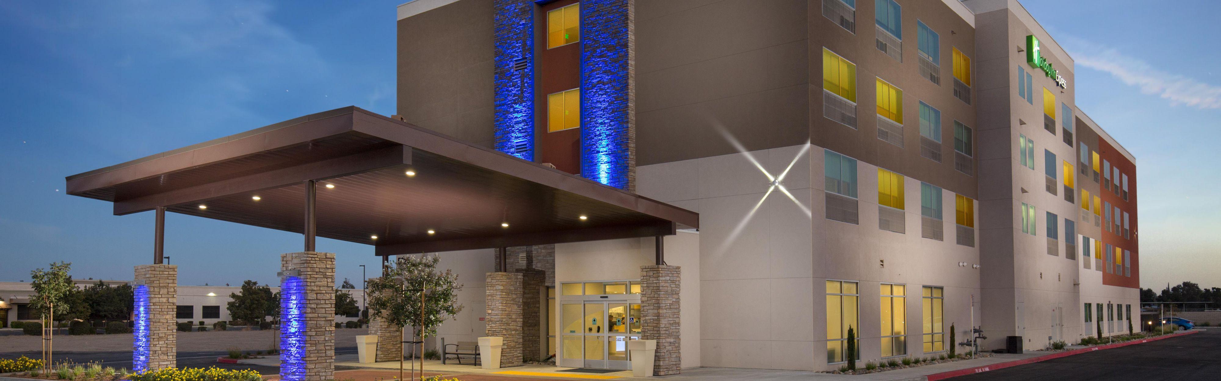 Holiday Inn Express Visalia image 0