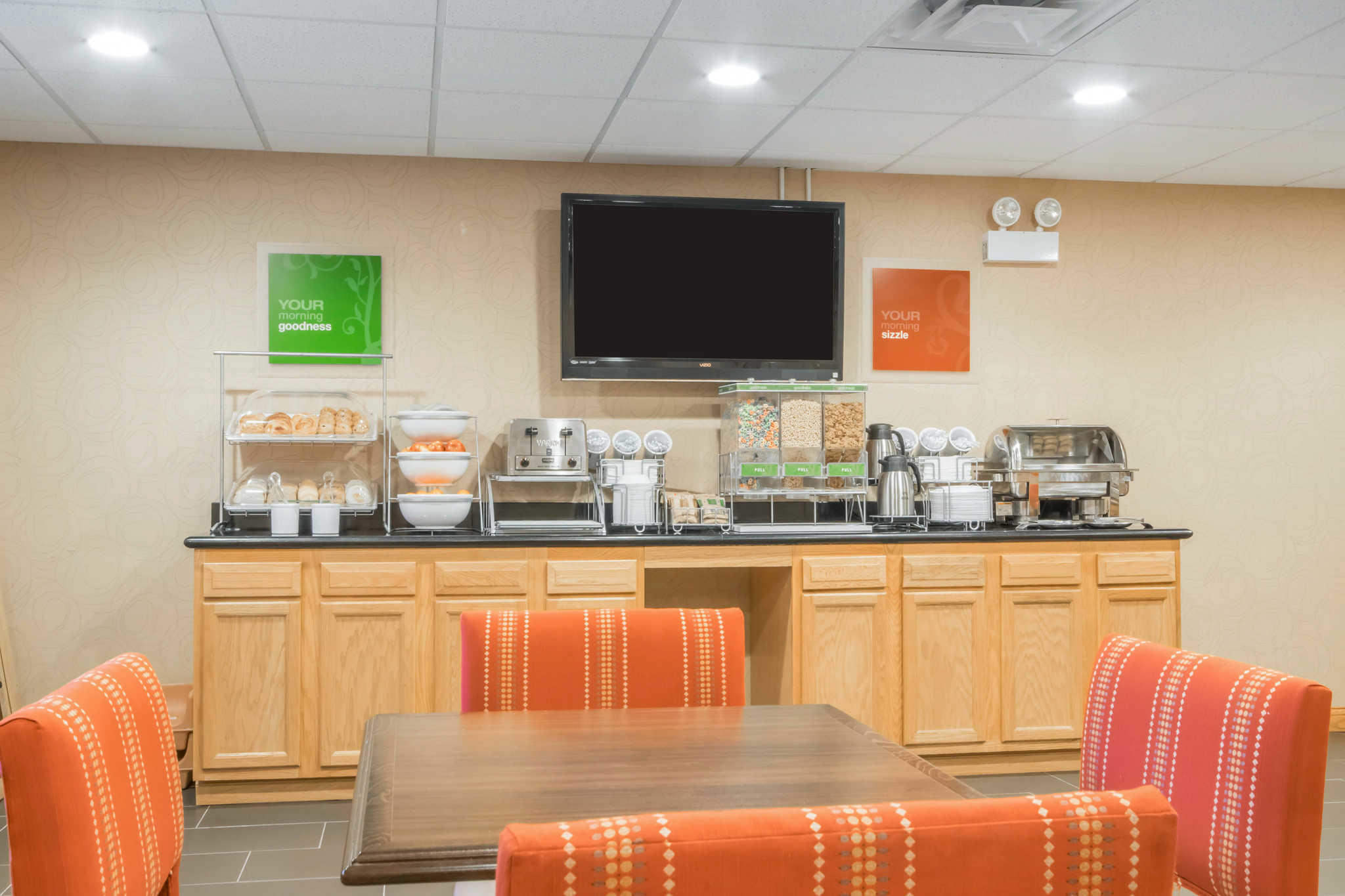 Comfort Suites Airport image 22