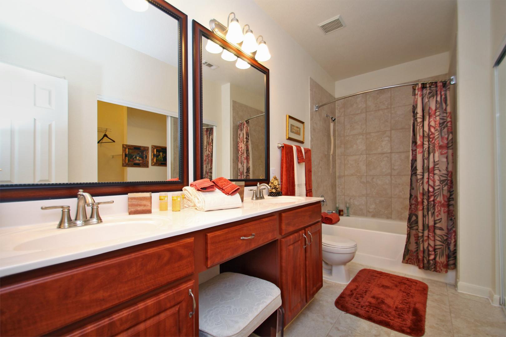 The Bellagio Apartments in Houston, TX image 4