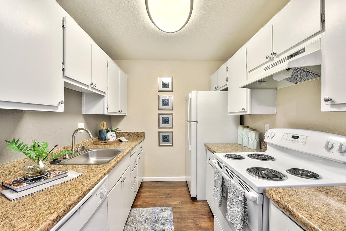 Sora Apartments image 7