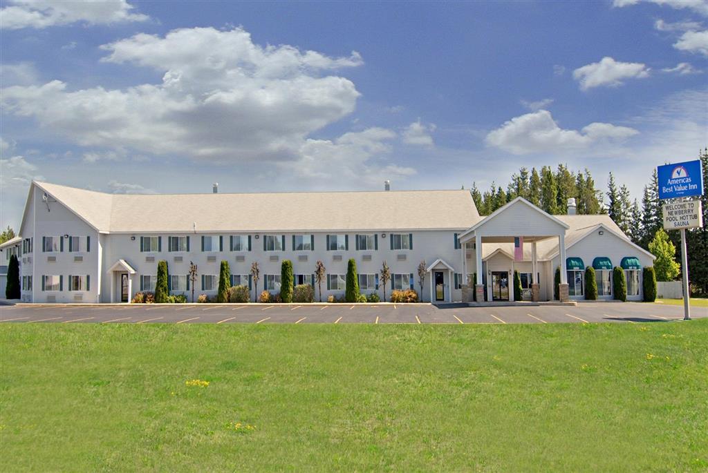 Americas Best Value Inn - Tahquamenon Country image 1