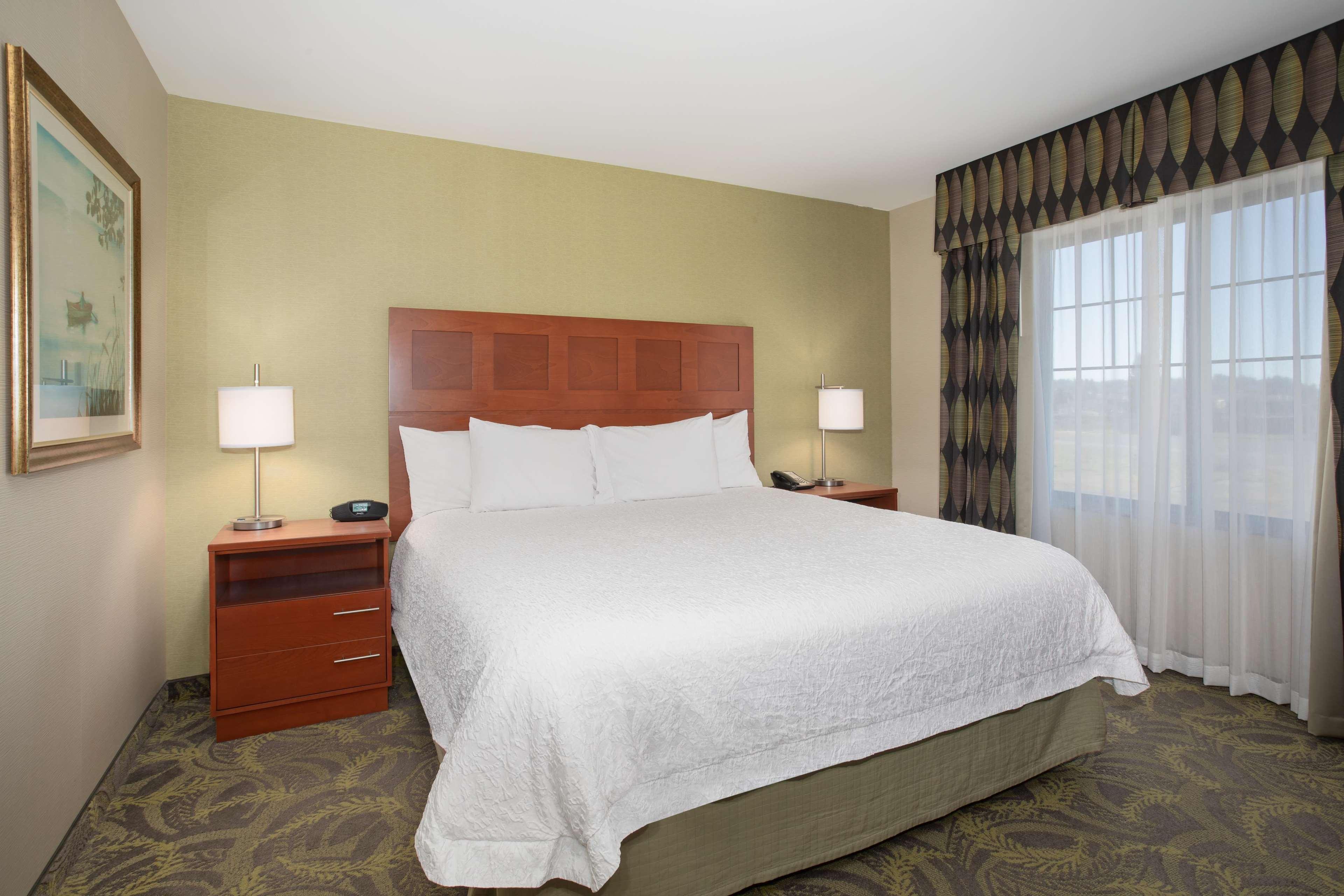 Hampton Inn & Suites Astoria image 30
