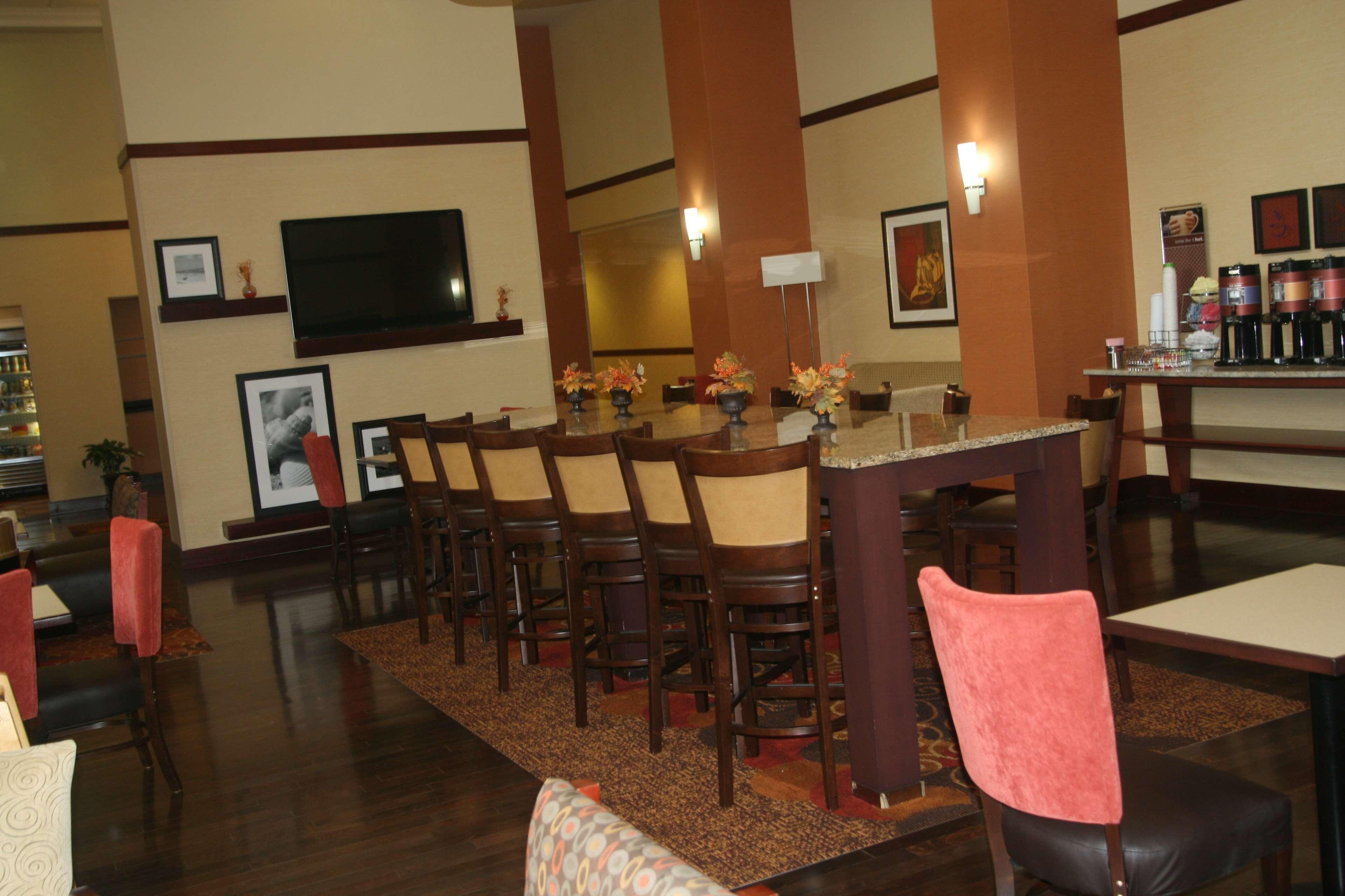 Hampton Inn & Suites Orlando Intl Dr N image 7