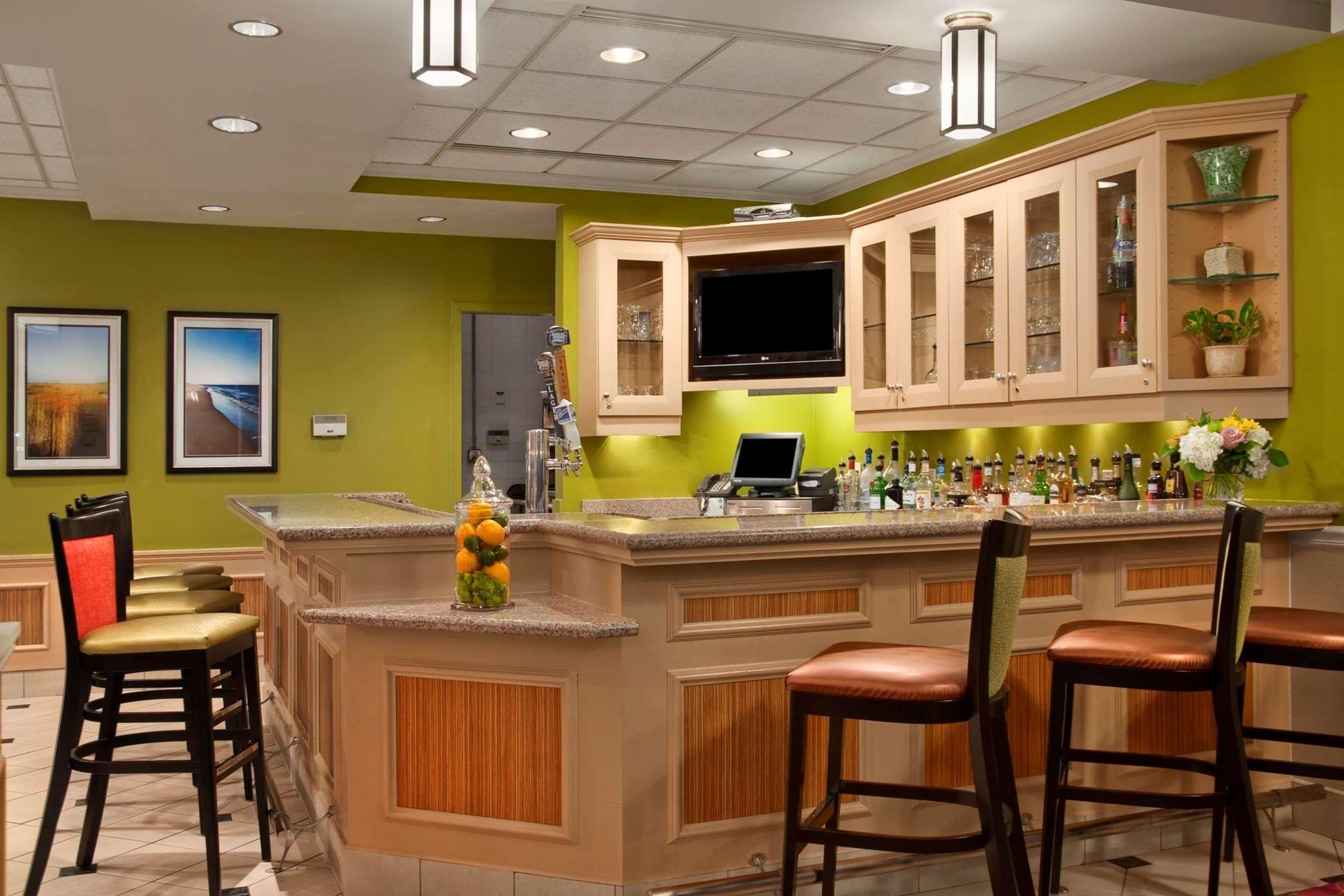 Hilton Garden Inn Islip/MacArthur Airport image 11