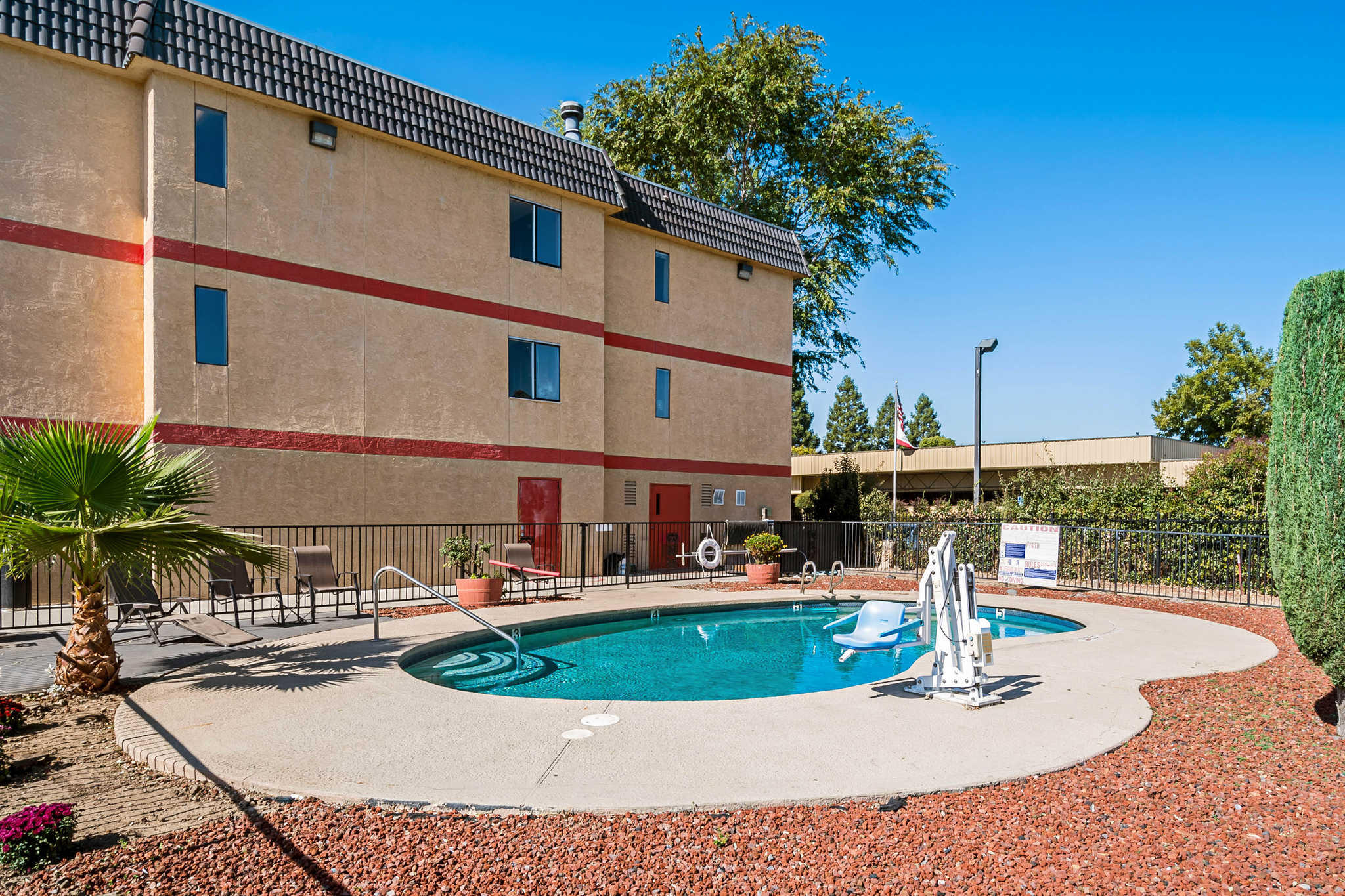 Econo Lodge Inn & Suites Yuba City - Marysville image 25