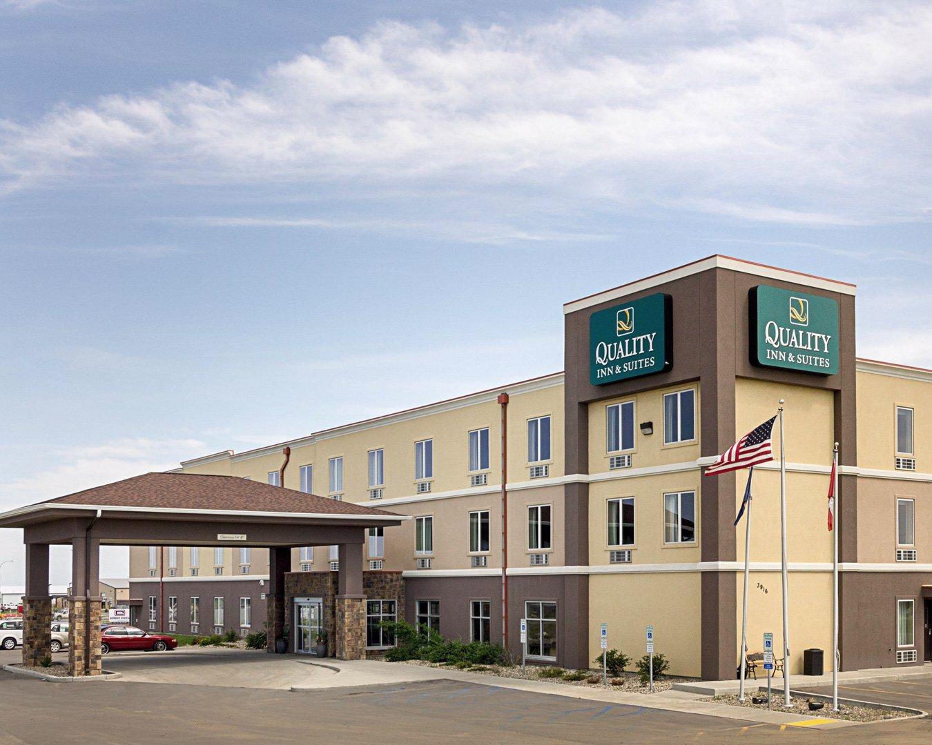 Hotels Minot Nd Near Airport