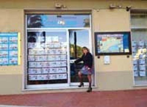 Agenzia immobiliare progetto mare immobiliari agenzie pietra ligure italia tel 019616 - Pietra ligure agenzie immobiliari ...