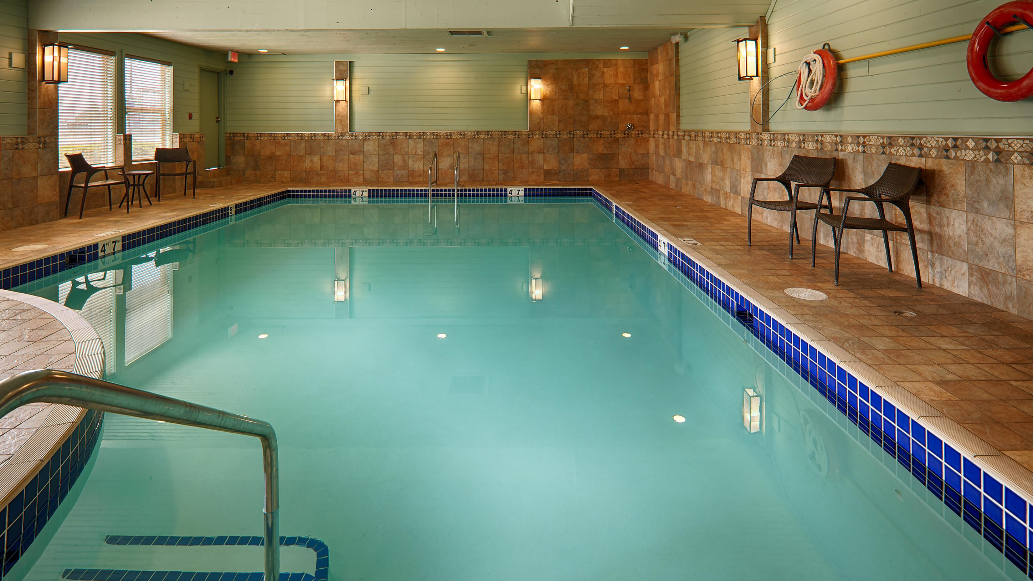 Best Western Plus Langley Inn in Langley: Indoor Pool