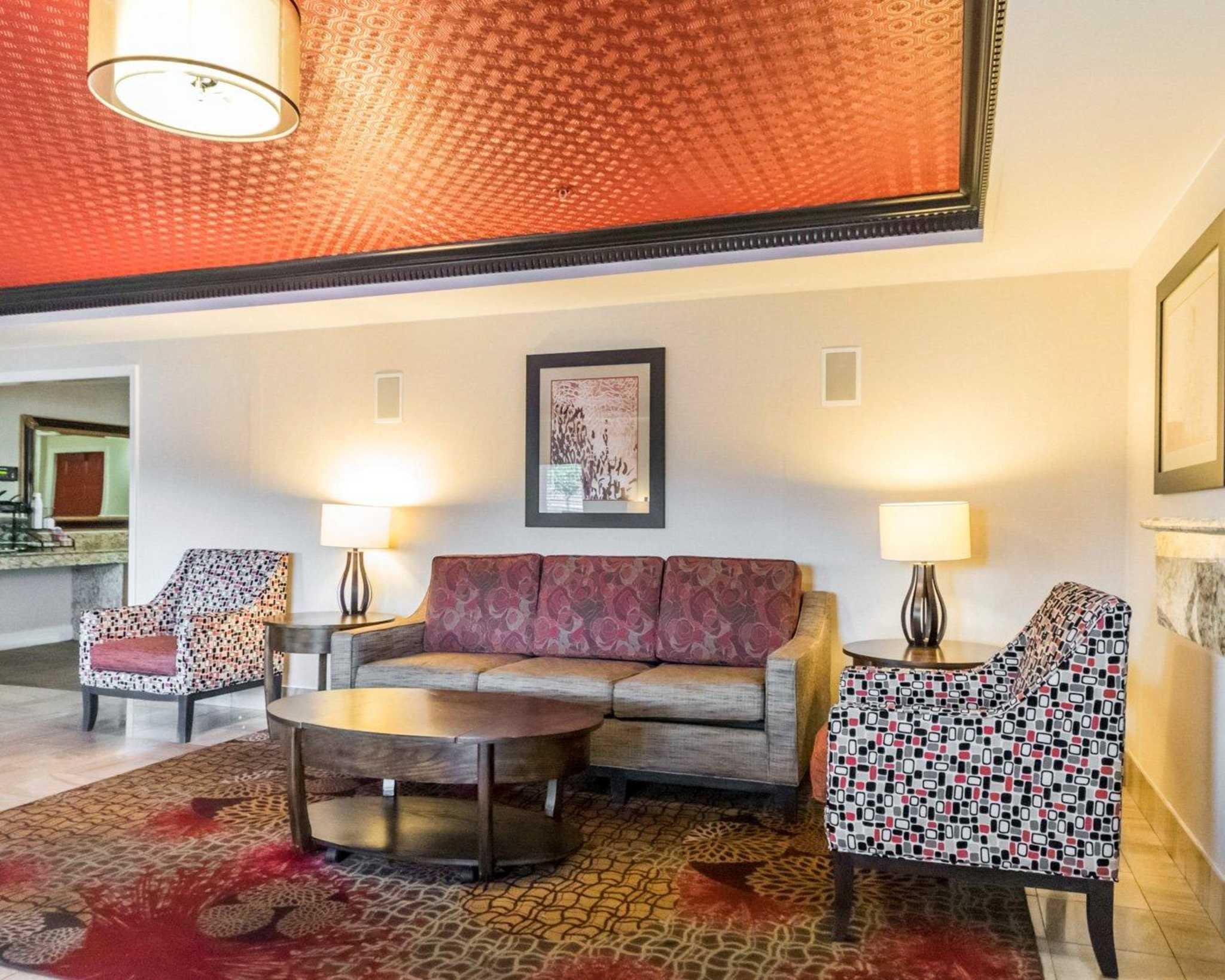 Quality Inn & Suites University/Airport image 14