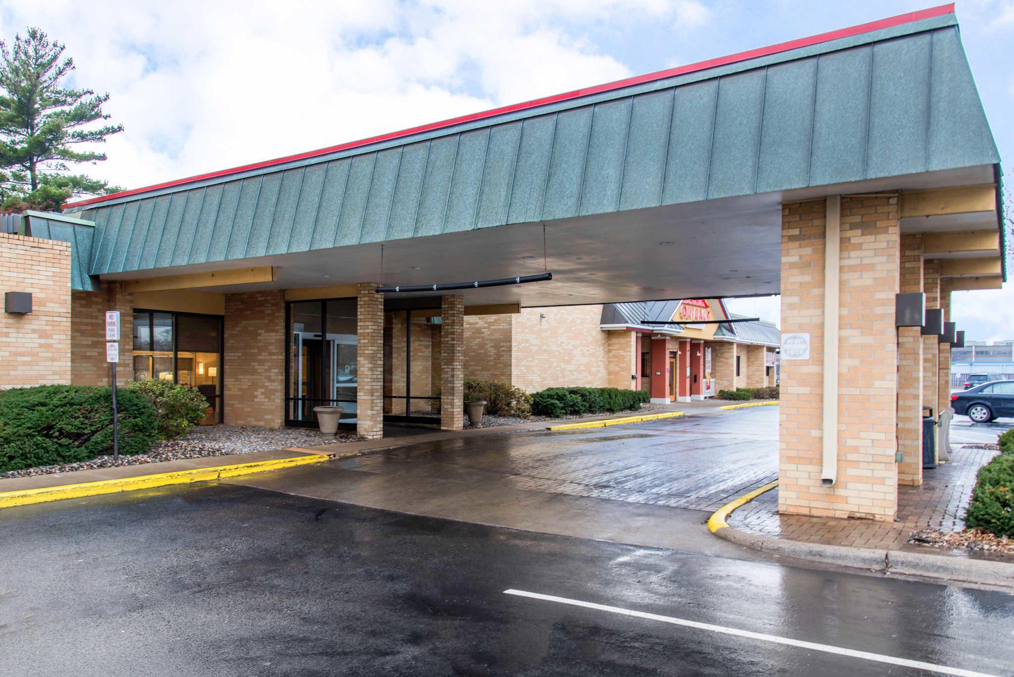 Comfort Inn Airport image 1