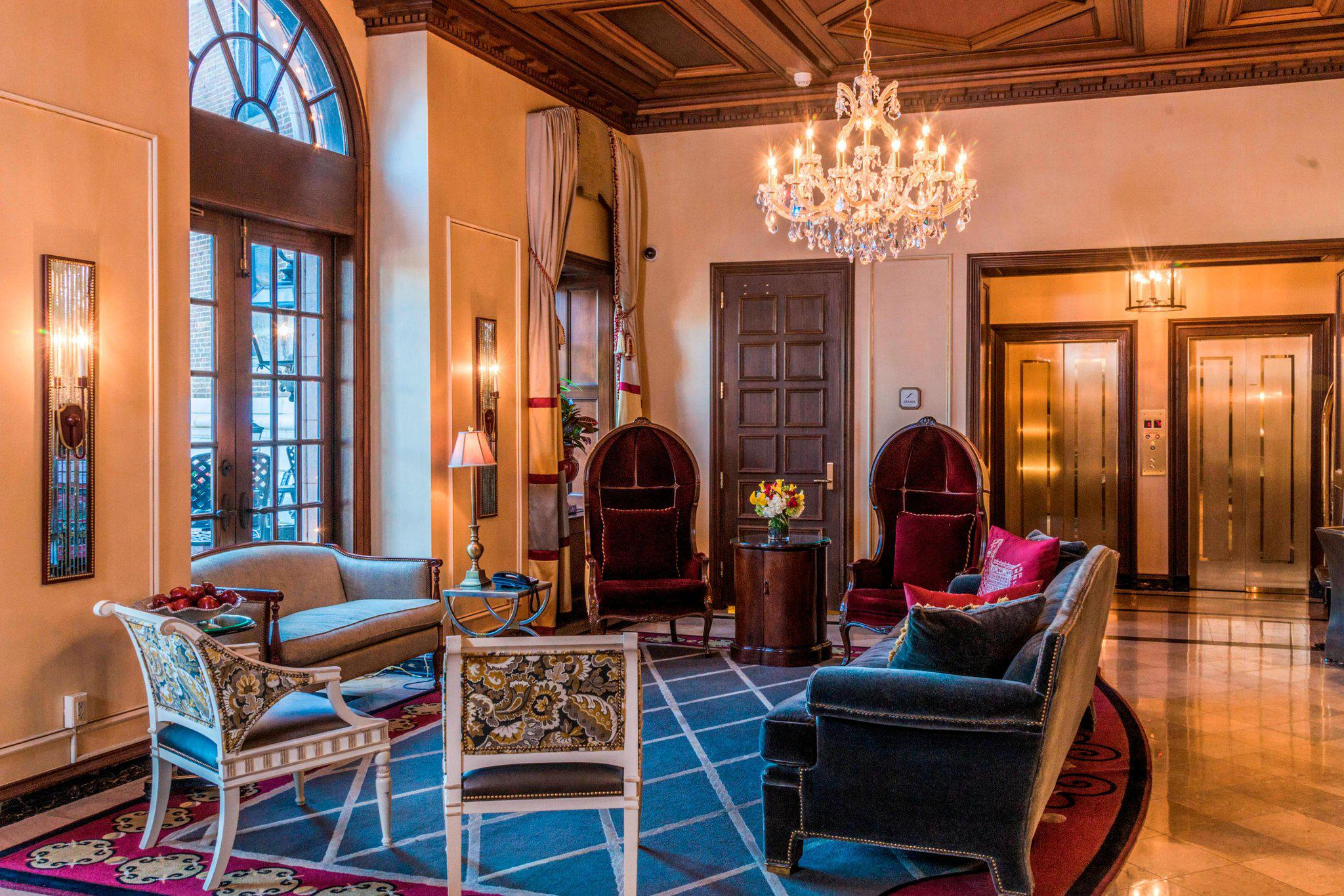 The Raphael Hotel, Autograph Collection
