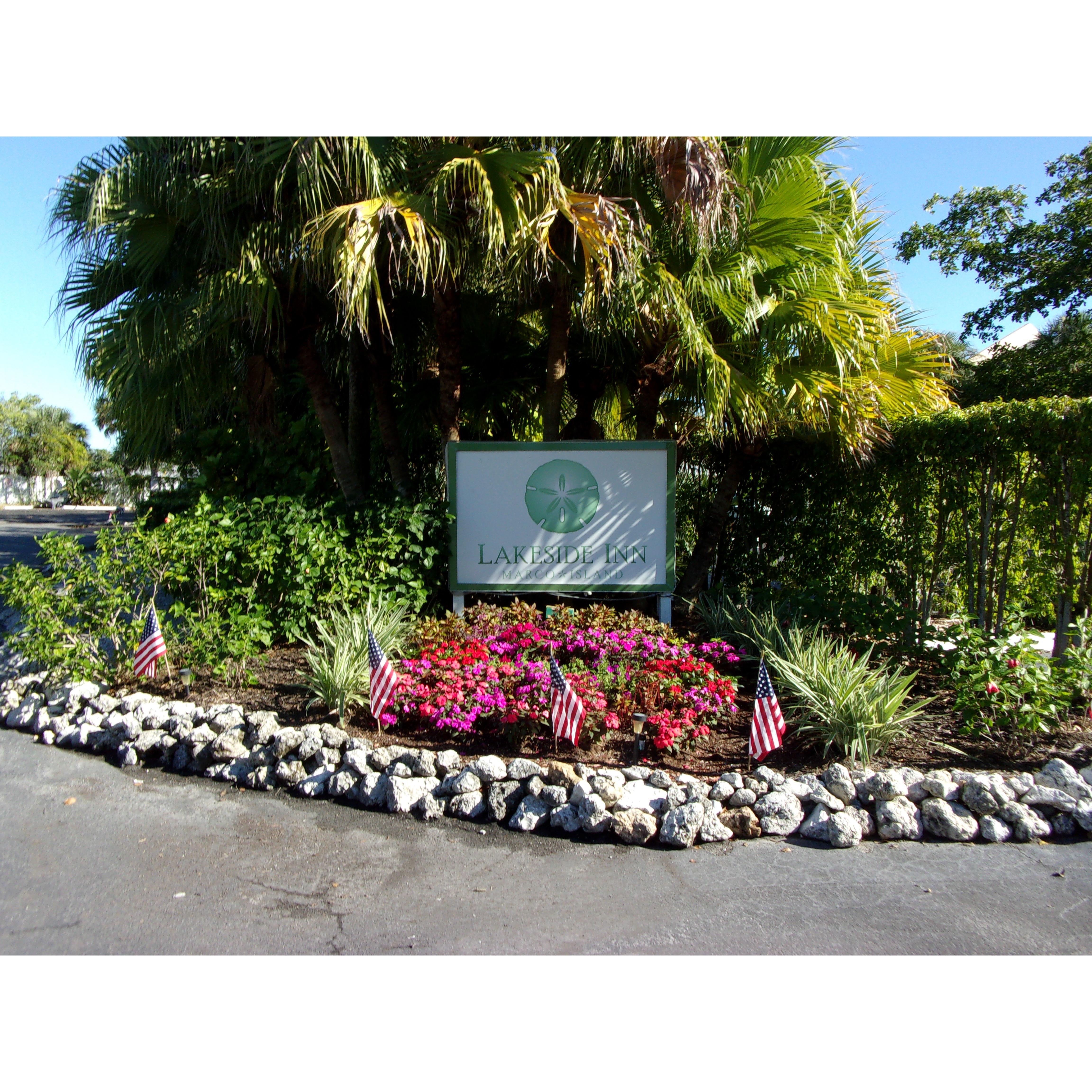 Hotel in FL Marco Island 34145 Marco Island Lakeside Inn 155 1st Ave  (239)394-1161