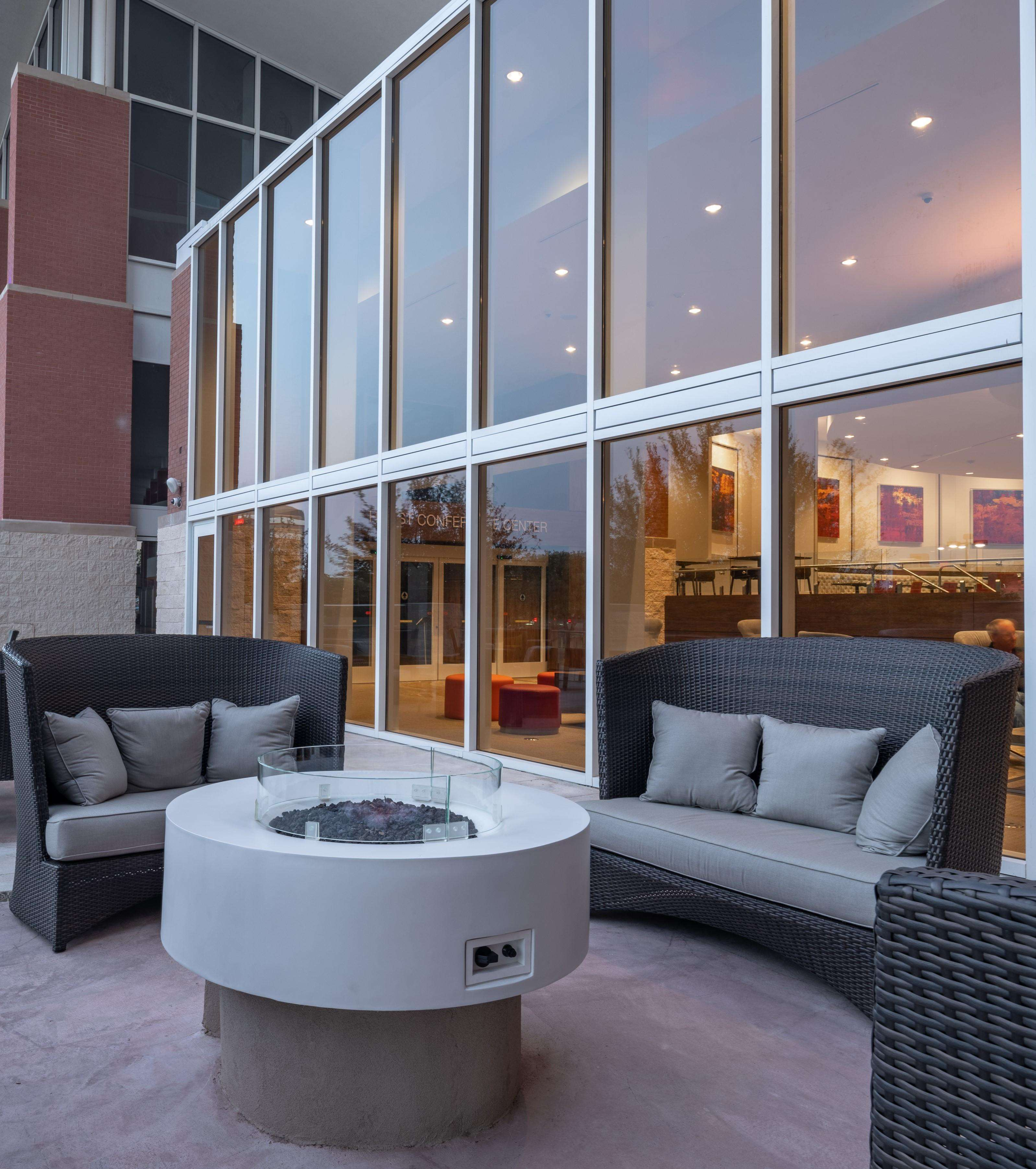 Hilton Garden Inn Dallas at Hurst Conference Center image 0