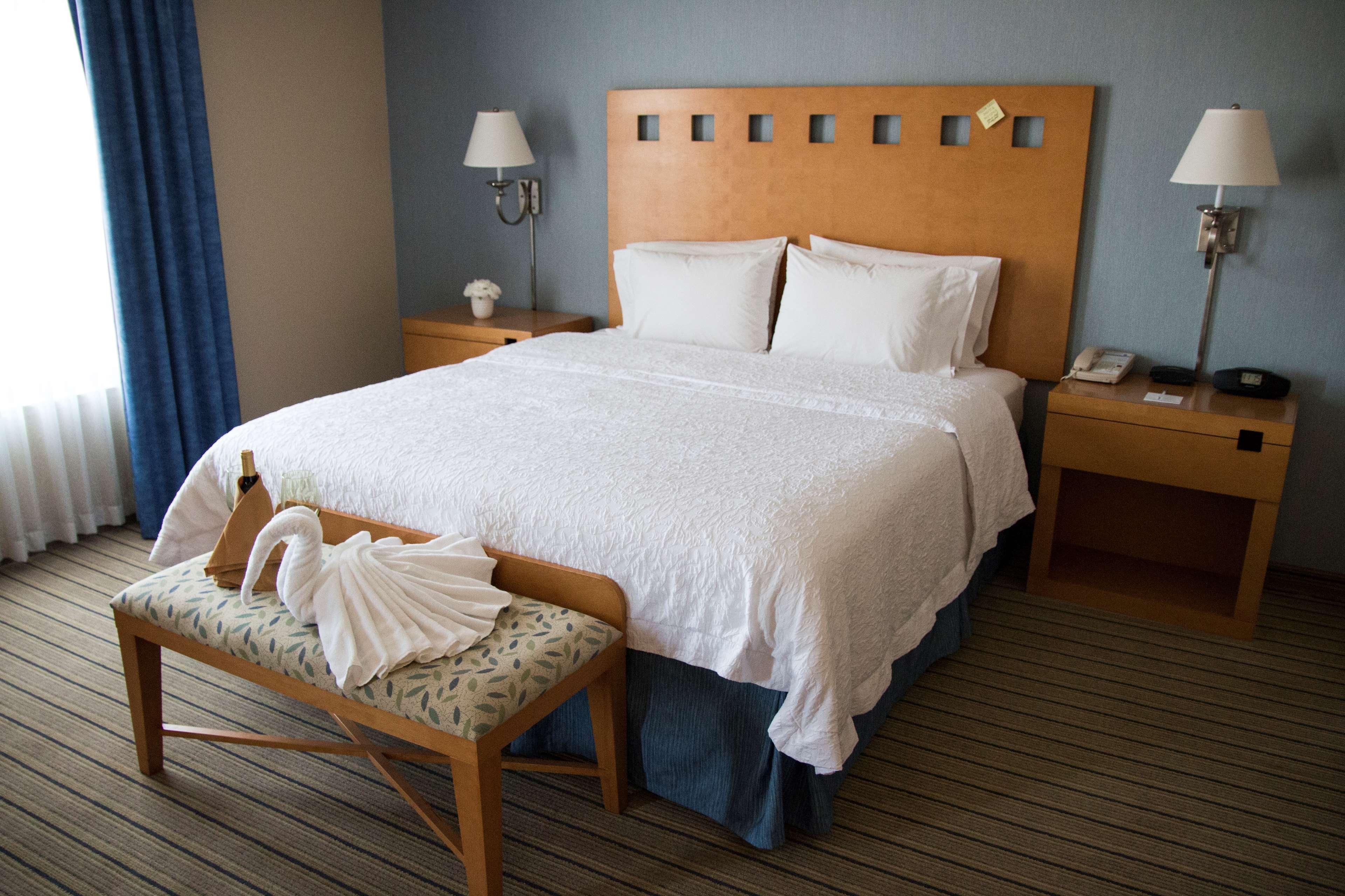 Hampton Inn & Suites Madera image 13