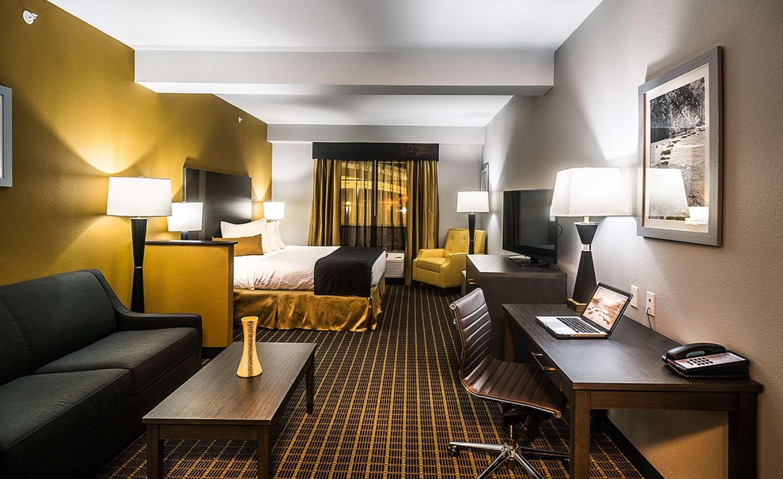 Best Western Plus Lampasas Inn & Suites image 6