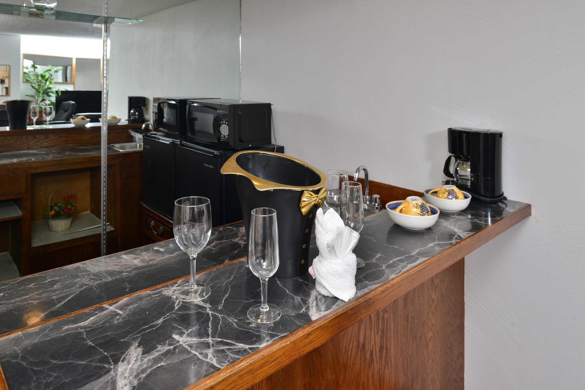 Rodeway Inn & Suites - Closed image 14