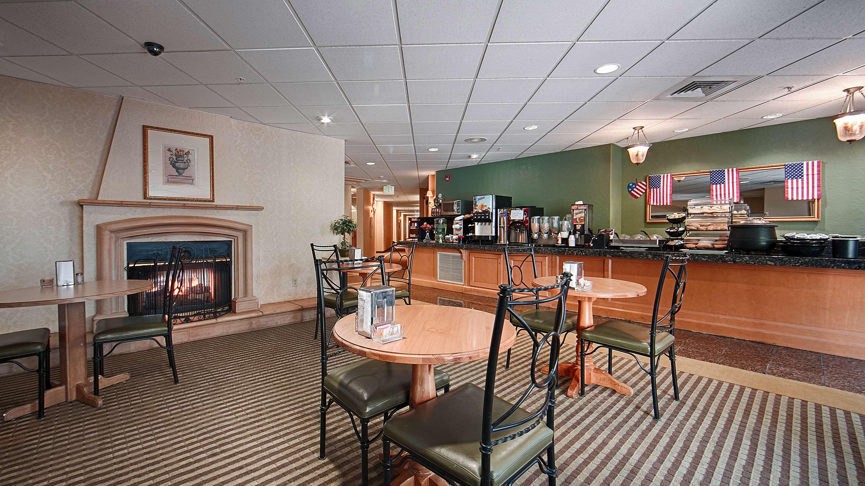 Best Western Plus Caldwell Inn & Suites image 37