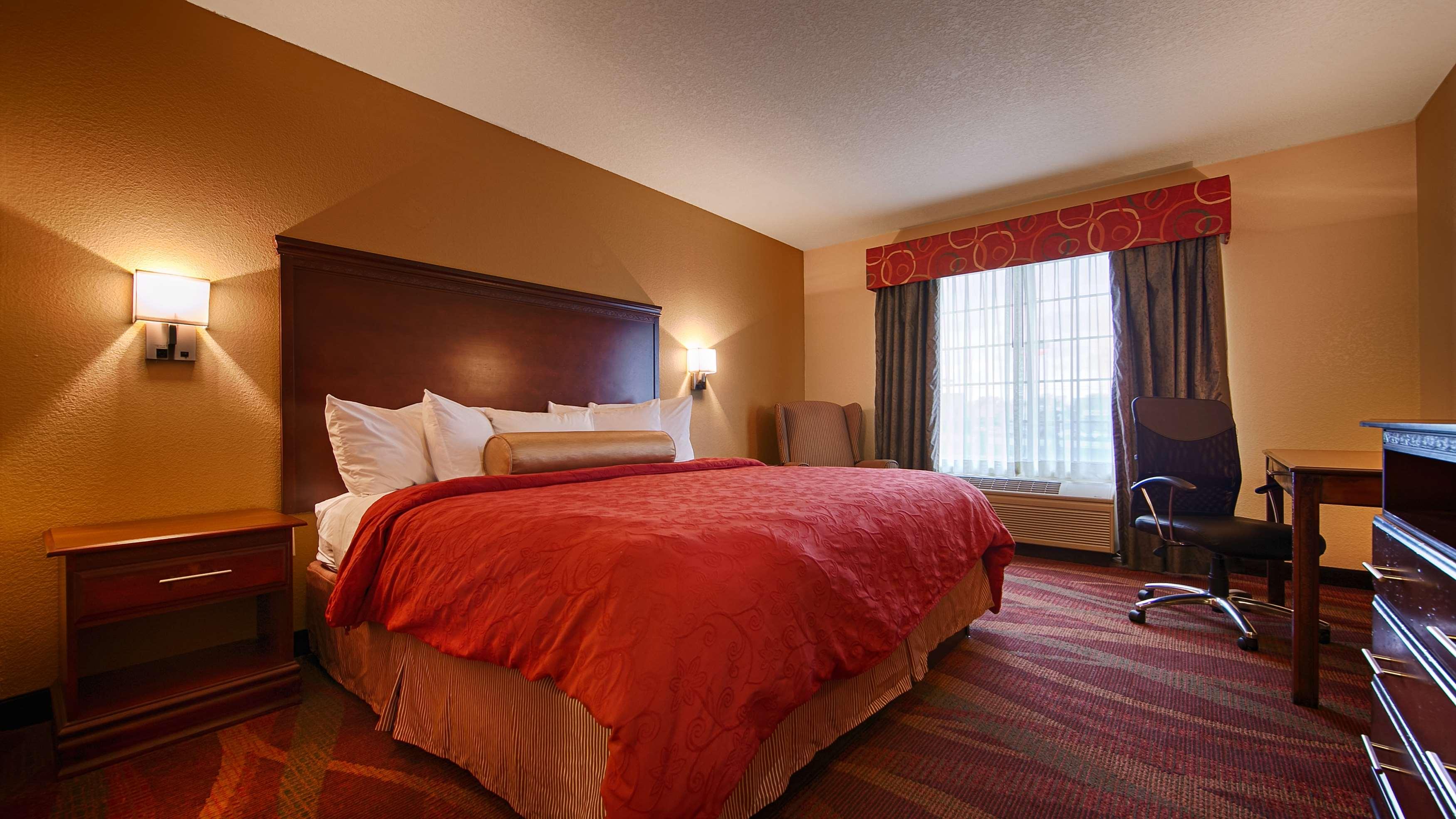 Best Western Plus Fort Wayne Inn & Suites North image 17