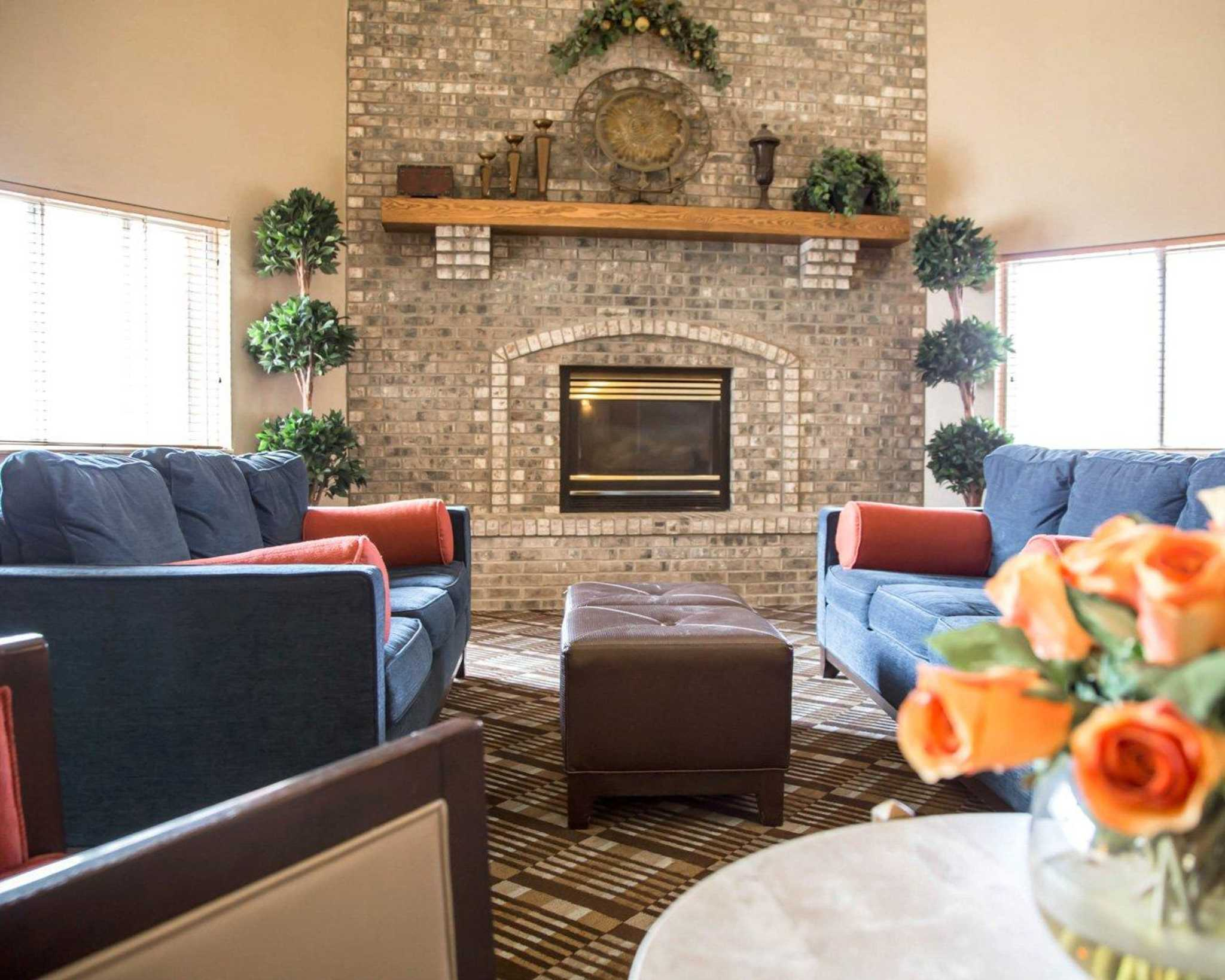comfort suites 3208 s carolyn ave sioux falls sd comfort inn