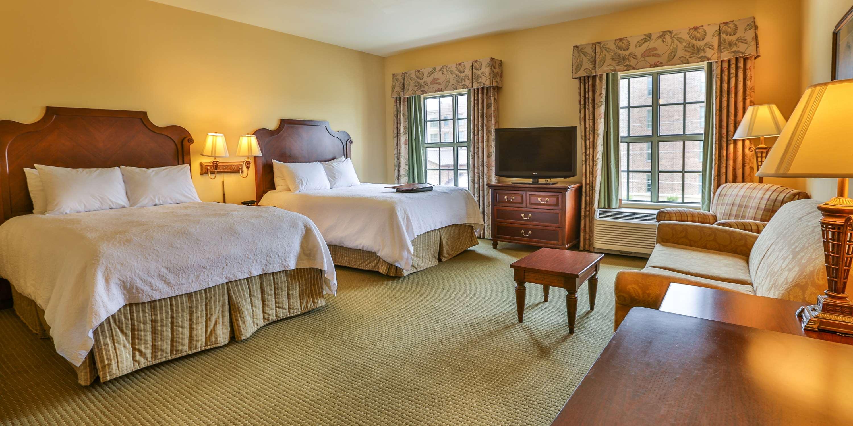 Hampton Inn & Suites Savannah Historic District image 36