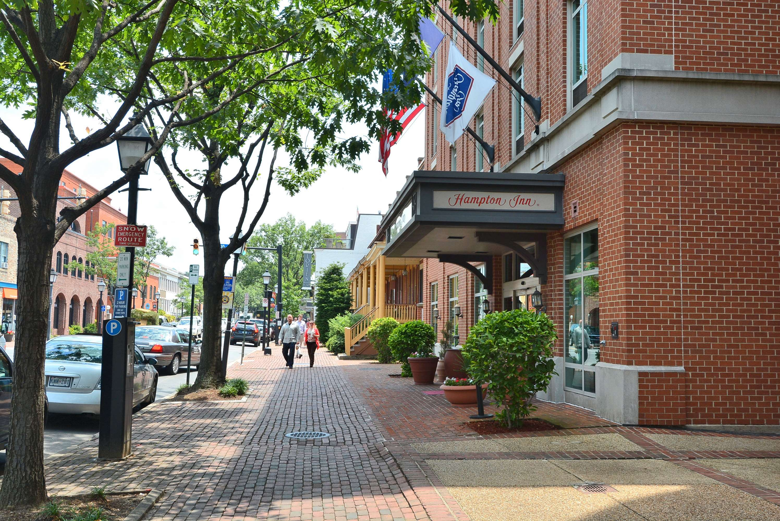 Hampton Inn Alexandria-Old Town/King St. Metro image 2