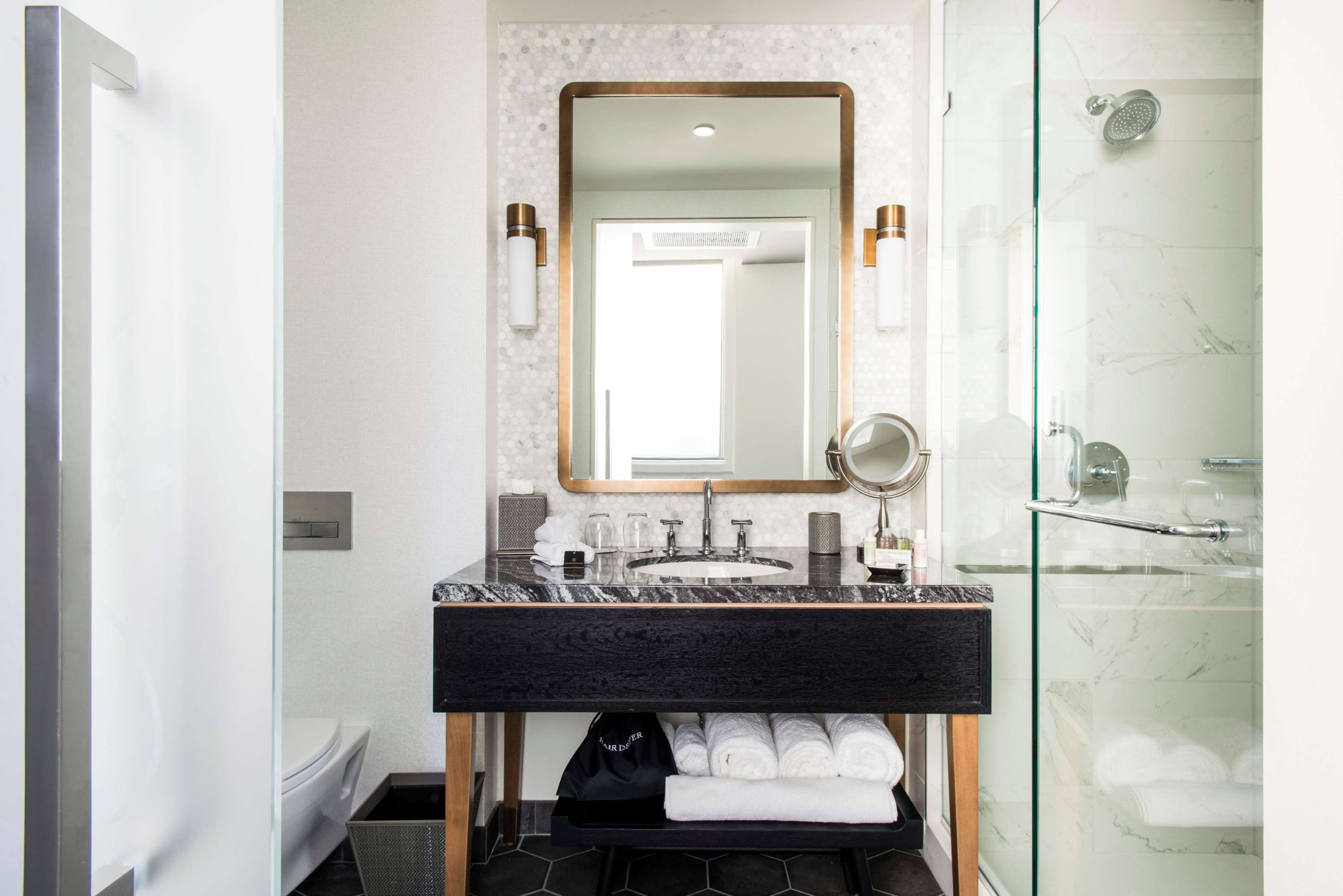 LondonHouse Chicago, Curio Collection by Hilton image 21