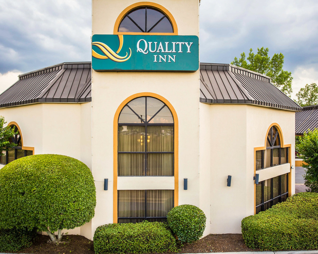 quality inn at carowinds in fort mill sc 29708 citysearch. Black Bedroom Furniture Sets. Home Design Ideas