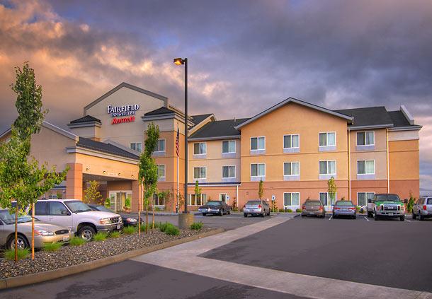 Fairfield Inn & Suites by Marriott Burlington image 1